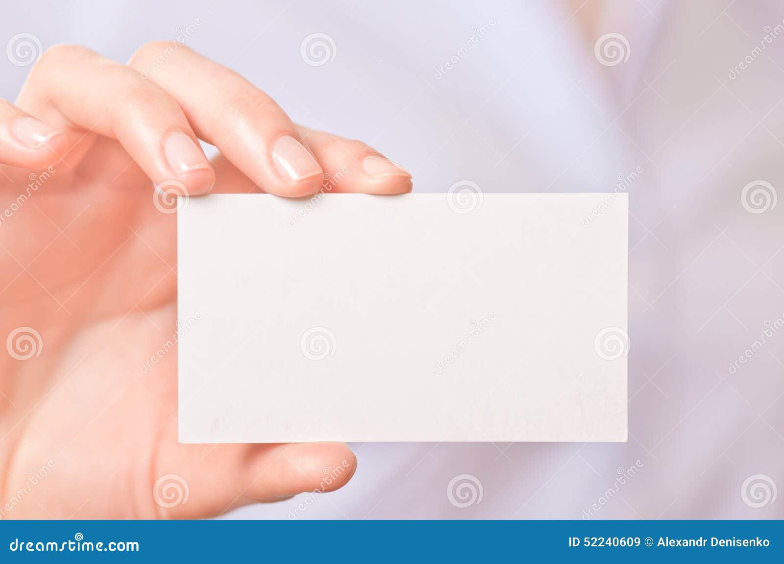 Geschäftsfrauen Die Eine Visitenkarte übergeben Stockbild