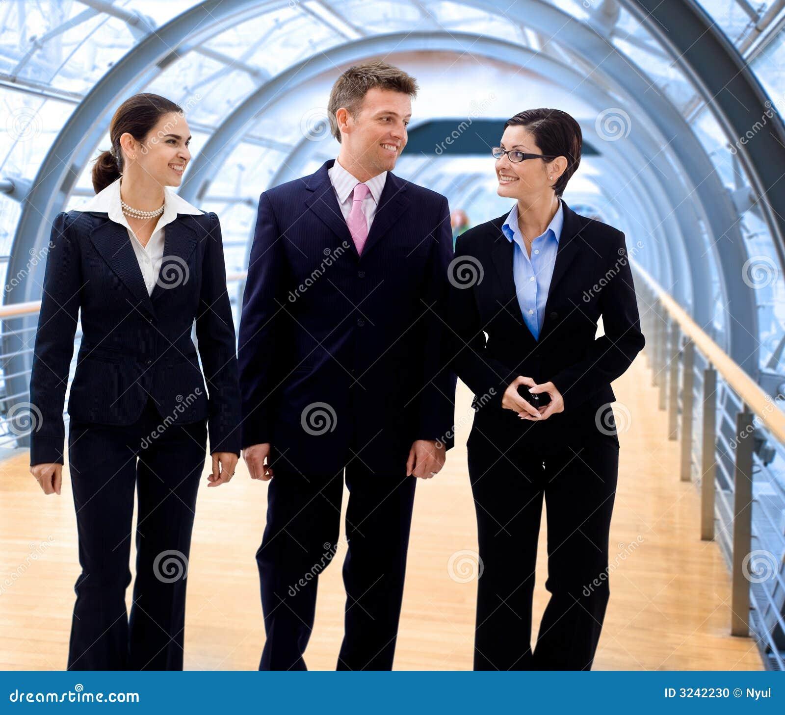 Geschäftsleute Gehen