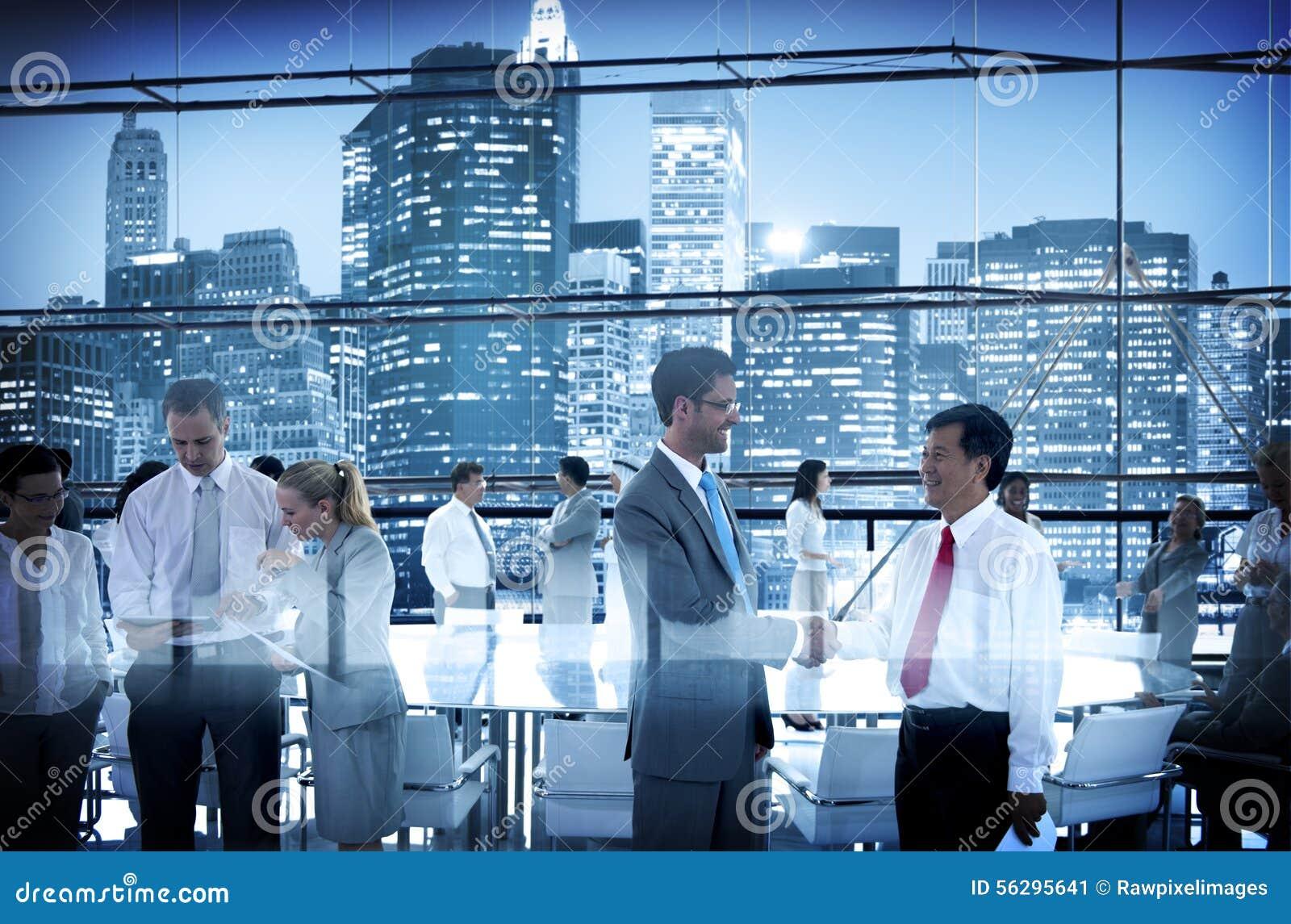 Geschäftsleute Konferenz-Sitzungs-Sitzungssaal-, dieconversatio Arbeits sind
