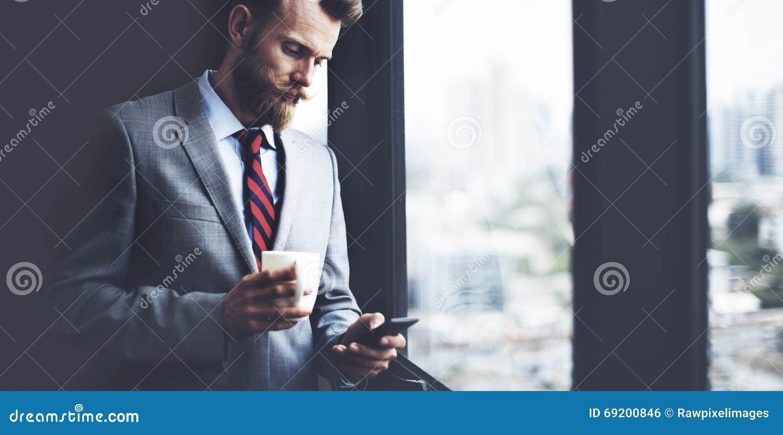 Geschäftsmann-Coffee Break Working-Arbeitsplatz-Konzept