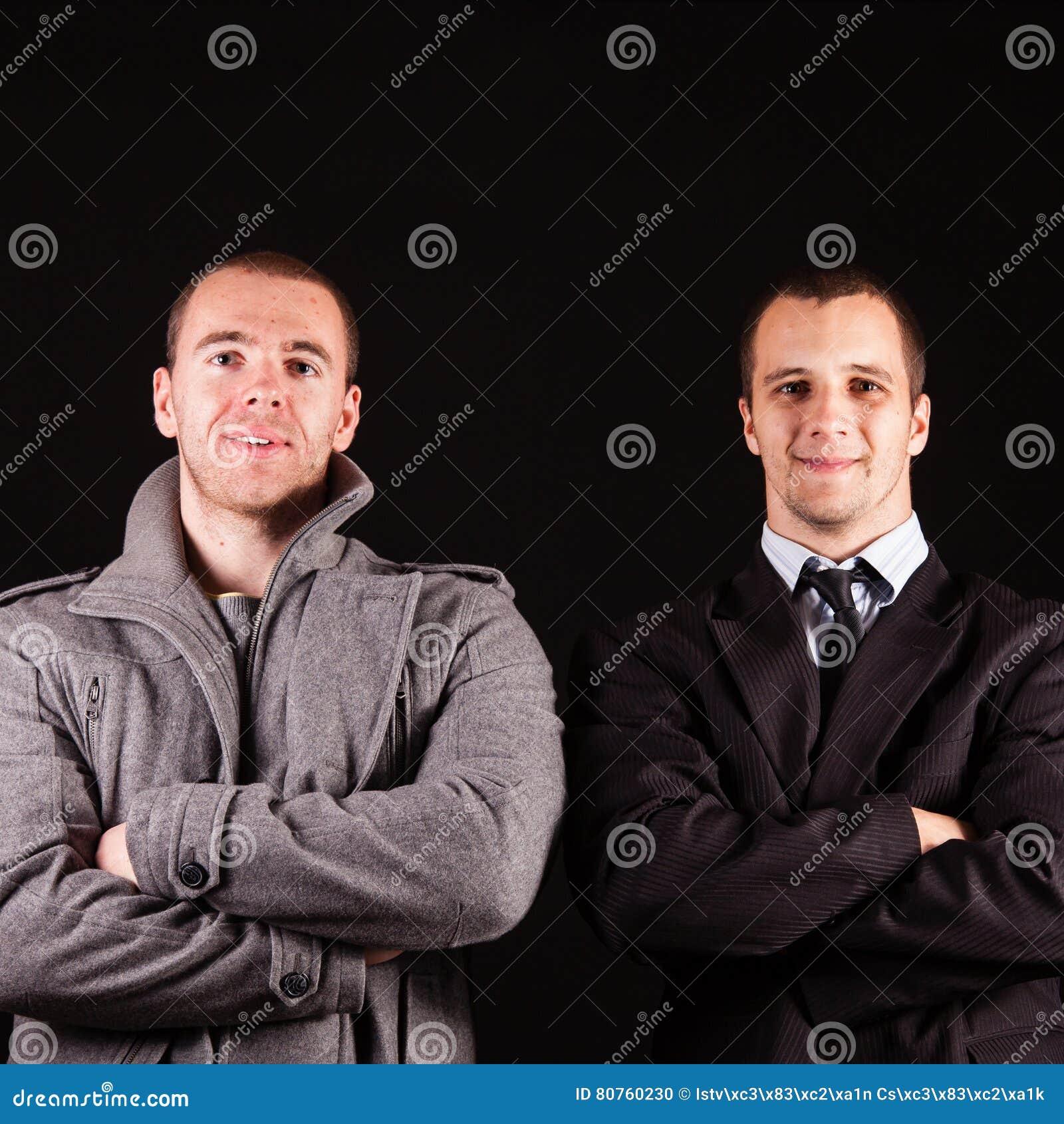 Geschäftsmann mit zwei Jungen