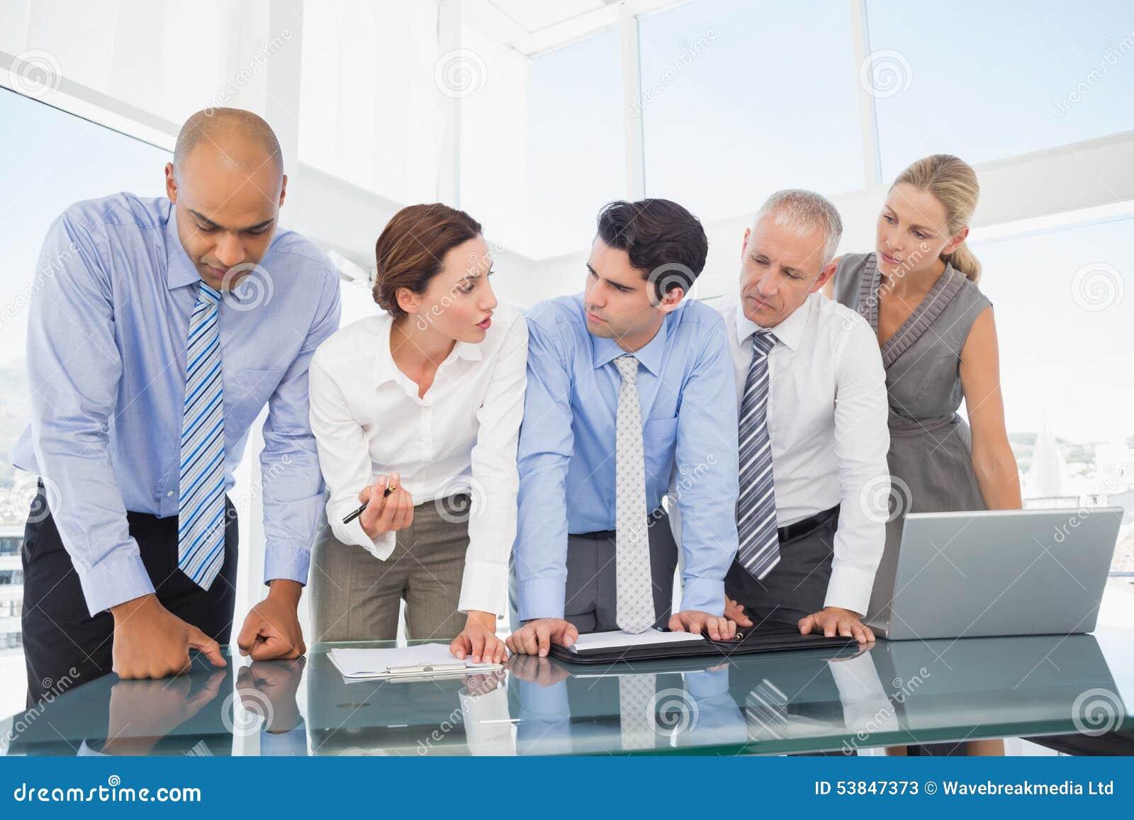 Geschäftsteam während der Sitzung