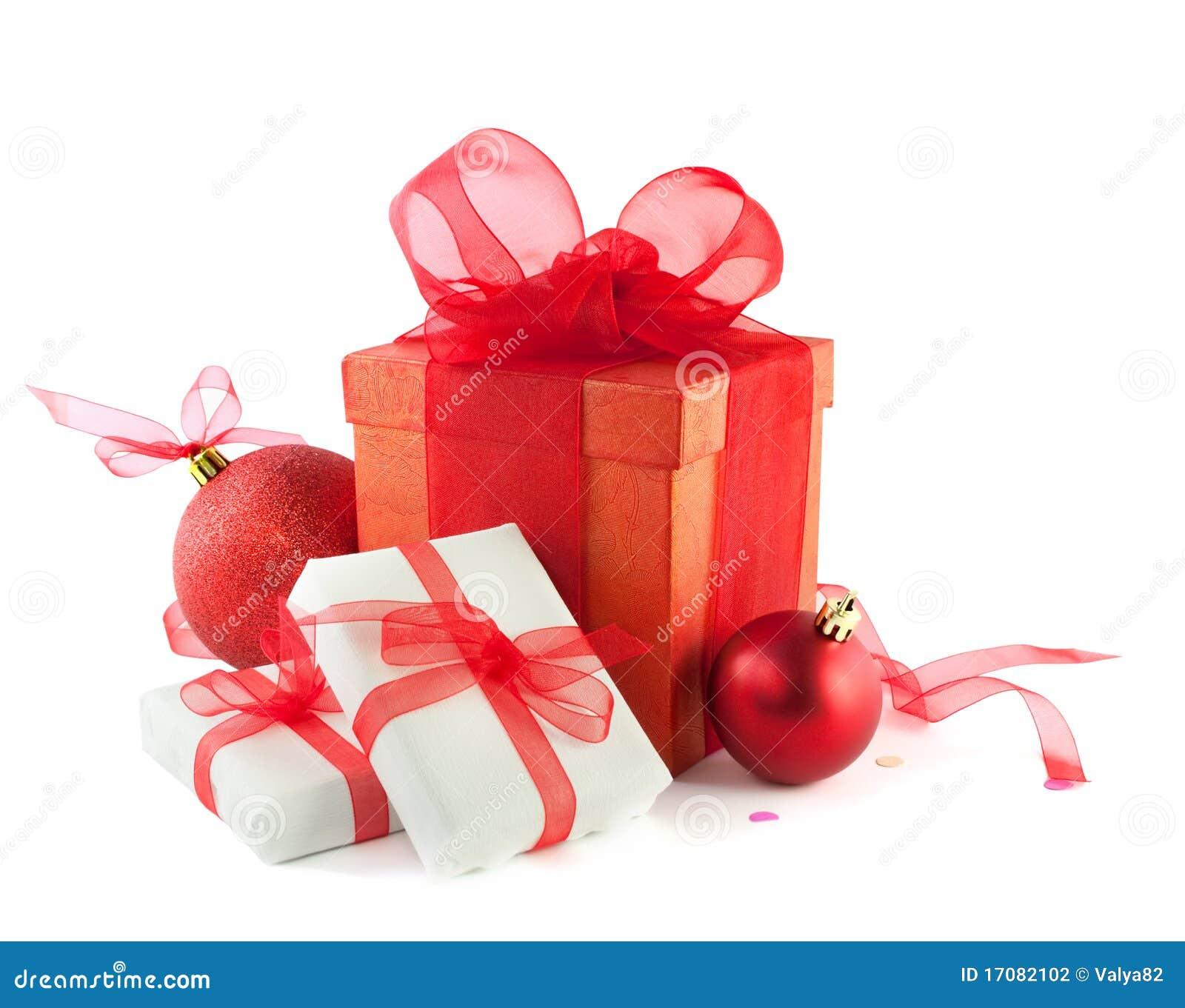 Geschenkkästen und Weihnachtskugeln