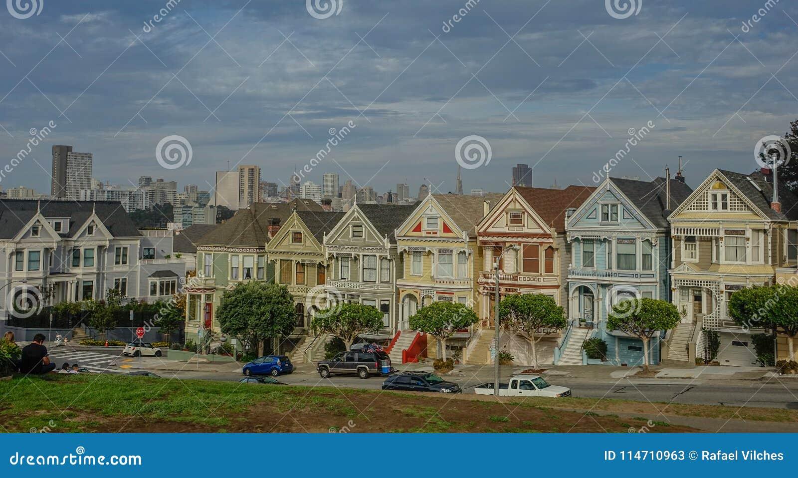 Geschilderde Dames in de stad van San Francisco