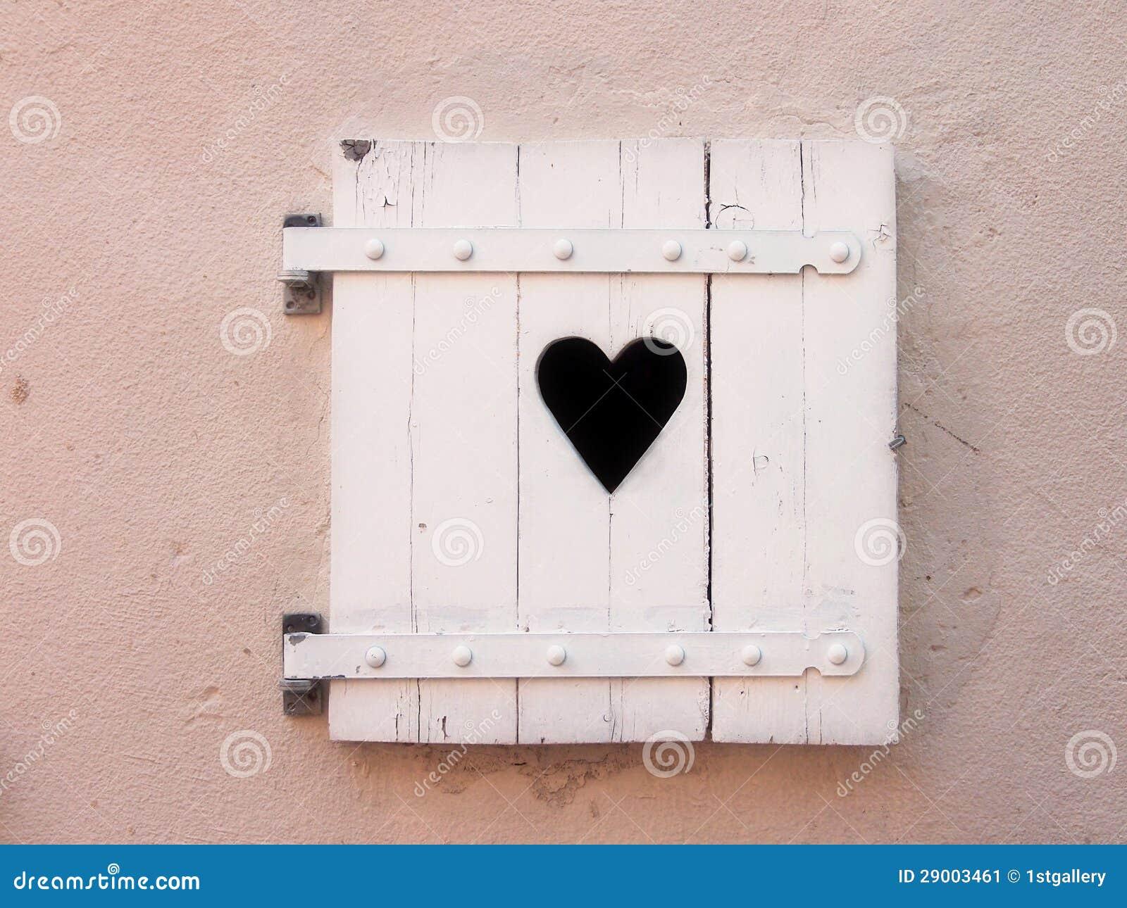 geschlossene wei e alte fensterl den mit innerform 18 stockbild bild 29003461. Black Bedroom Furniture Sets. Home Design Ideas