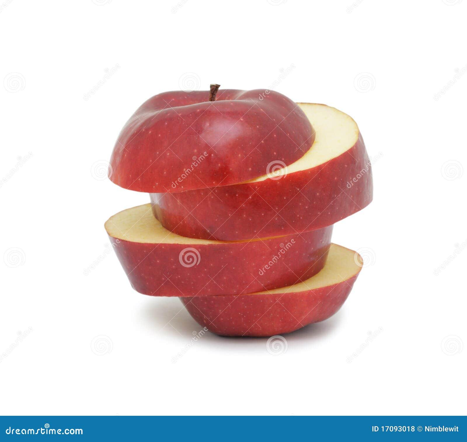 Geschnittener reifer roter Apfel, getrennt