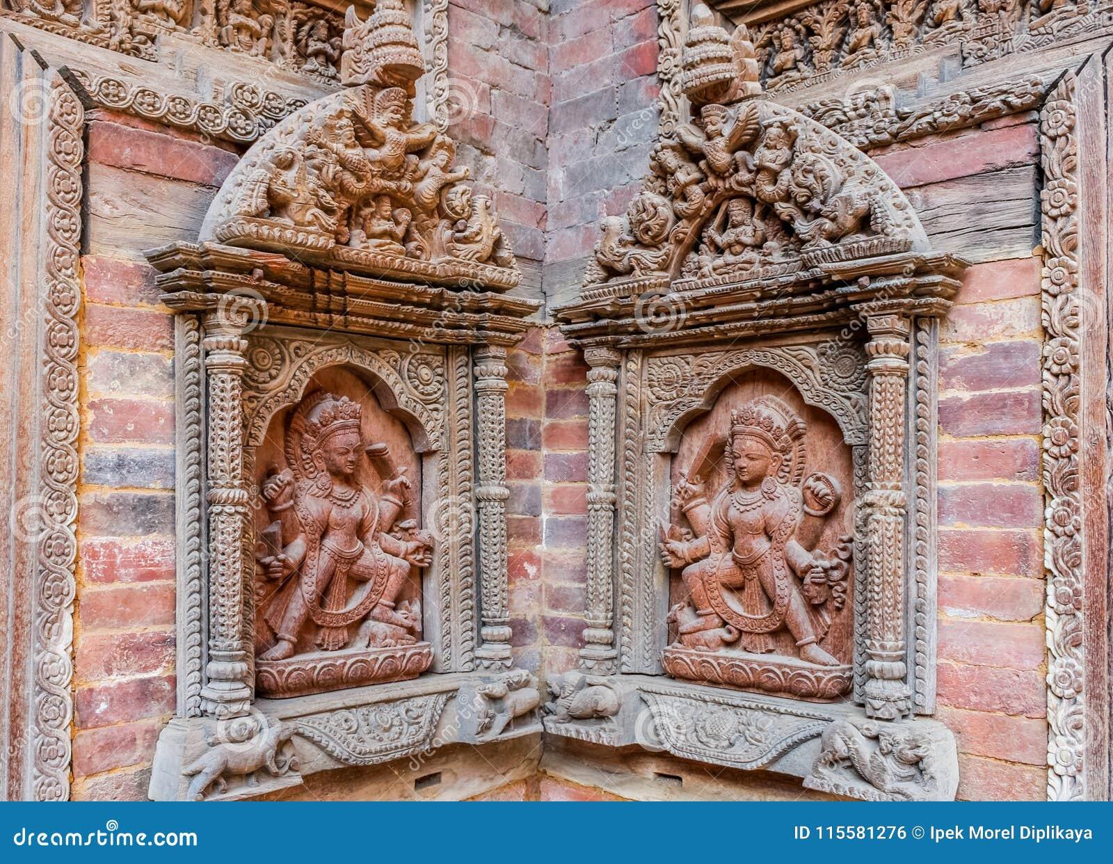 Geschnitzte Statuen auf Hofwand Mul Chowk, Hanuman Dhoka Royal Palace, Quadrat Patan Durbar, Lalitpur, Nepal