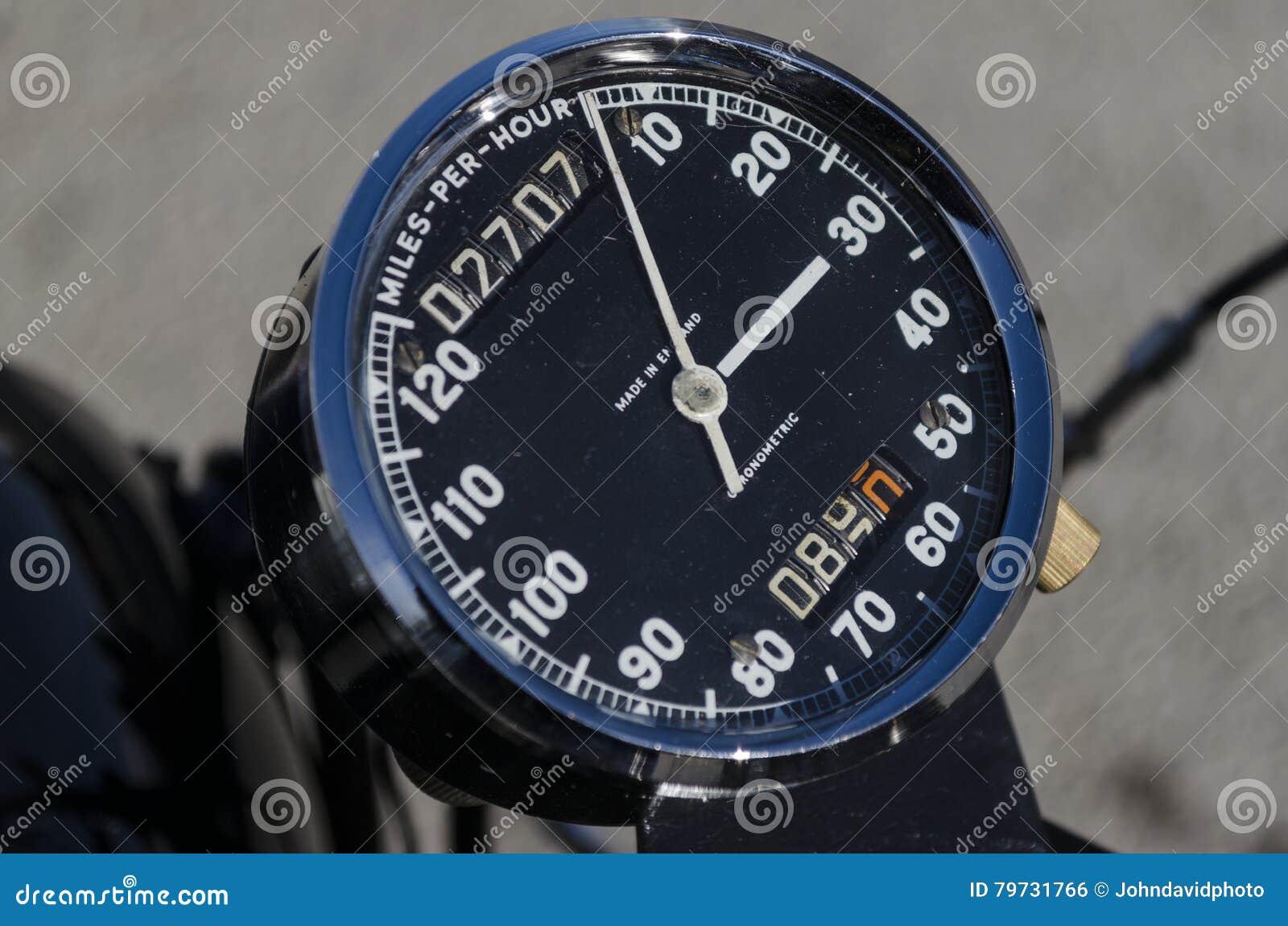Entfernungsmesser Rad : Geschwindigkeitsmesser entfernungsmesser und tripometer auf einem