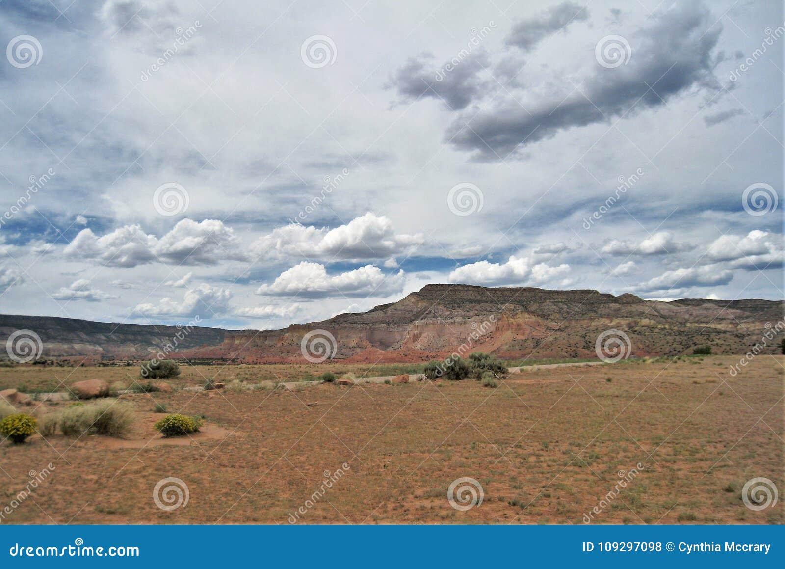 Geschwollene Wolken über Geist-Ranch