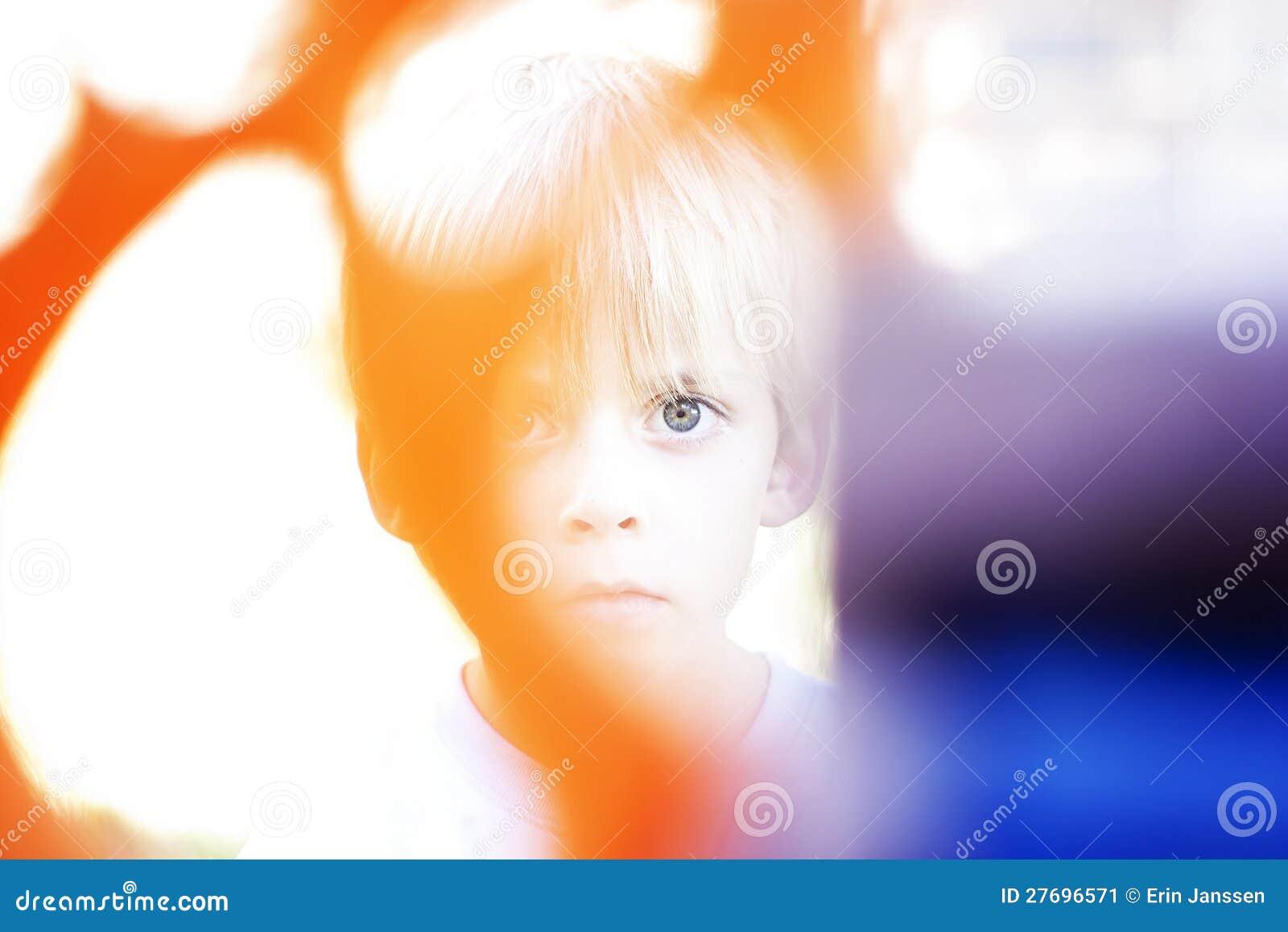 Gespenstischer Junge