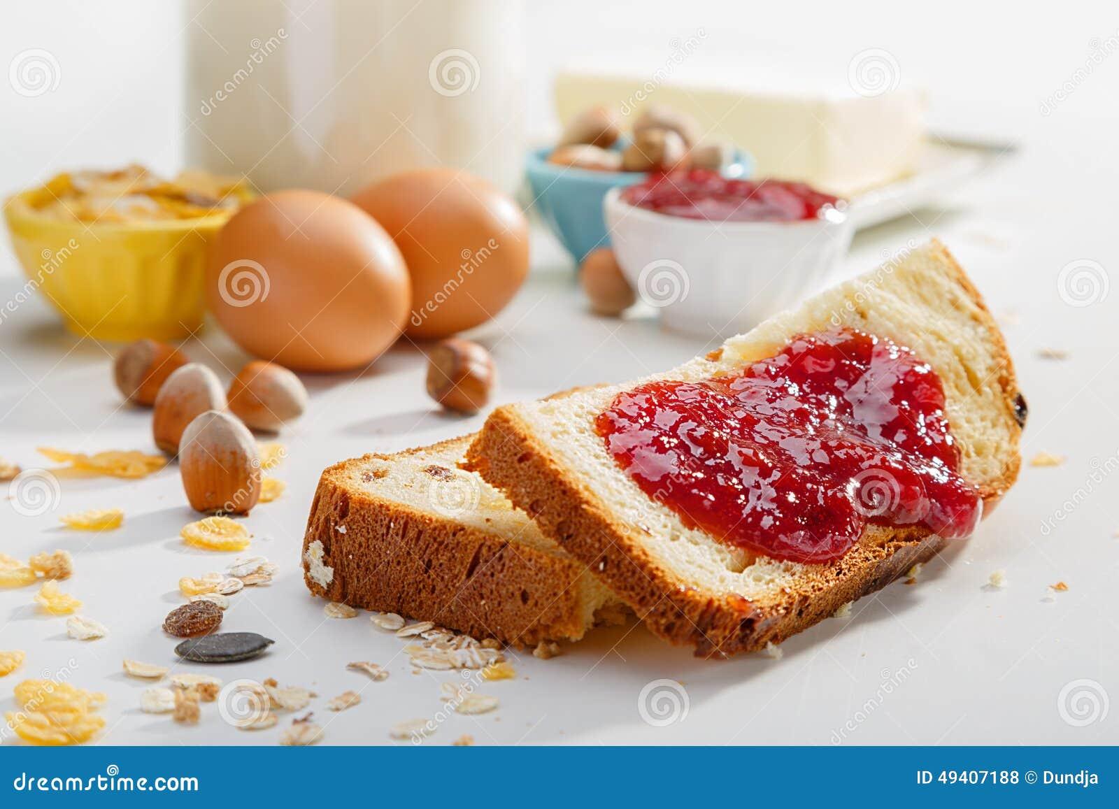 Download Gesundes Frühstück stockfoto. Bild von speck, glas, mahlzeit - 49407188