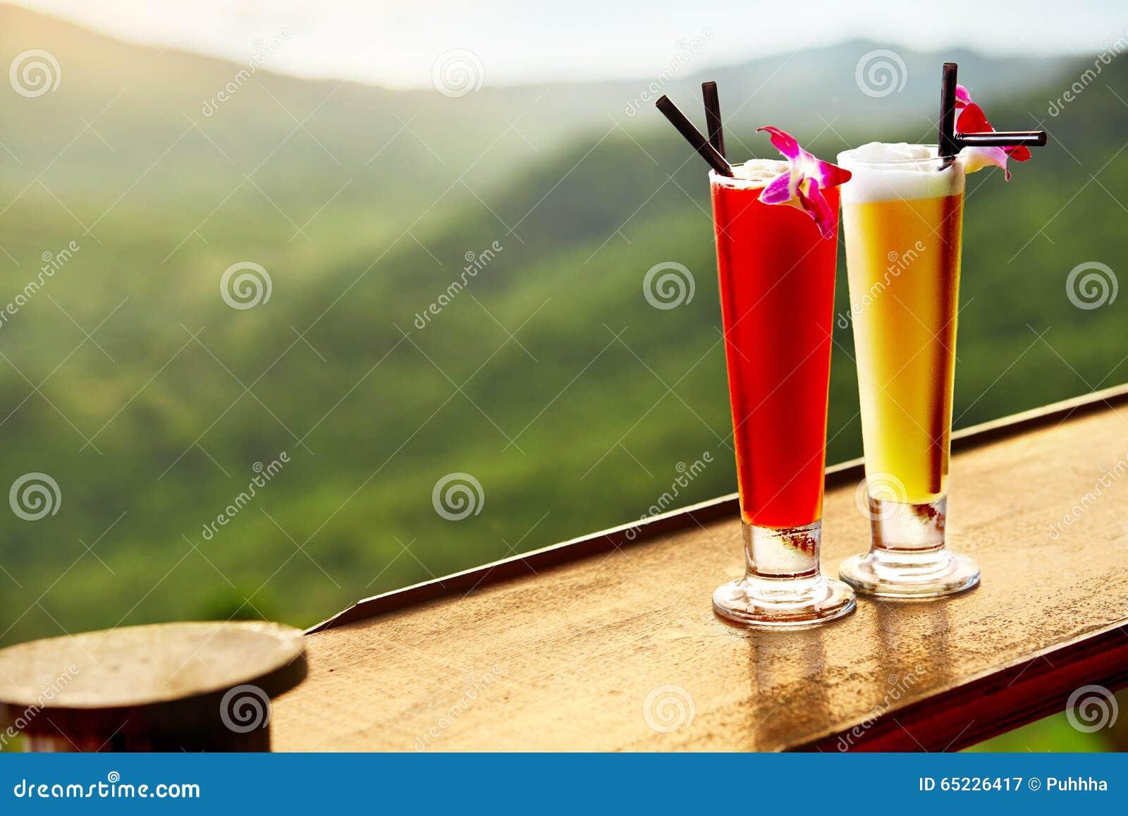 Getränke Exotische Cocktails In Der Luxusbar Thailand Auf ...