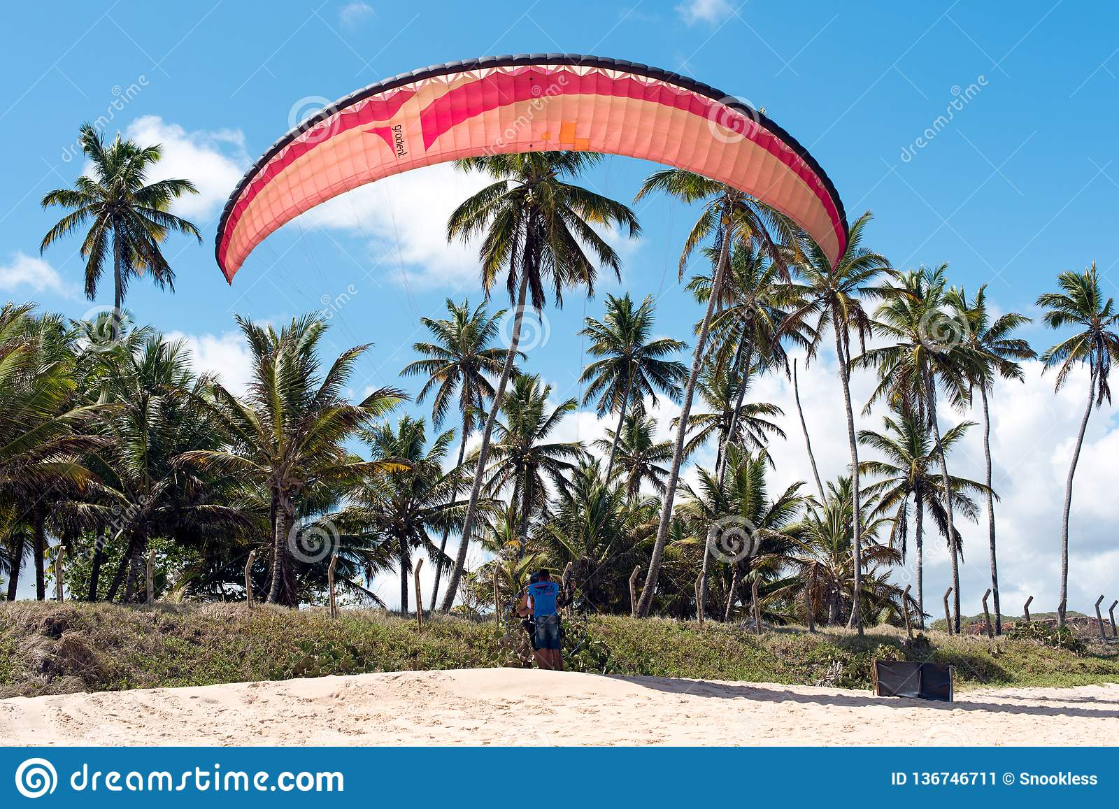 Getting ready to Paraglide