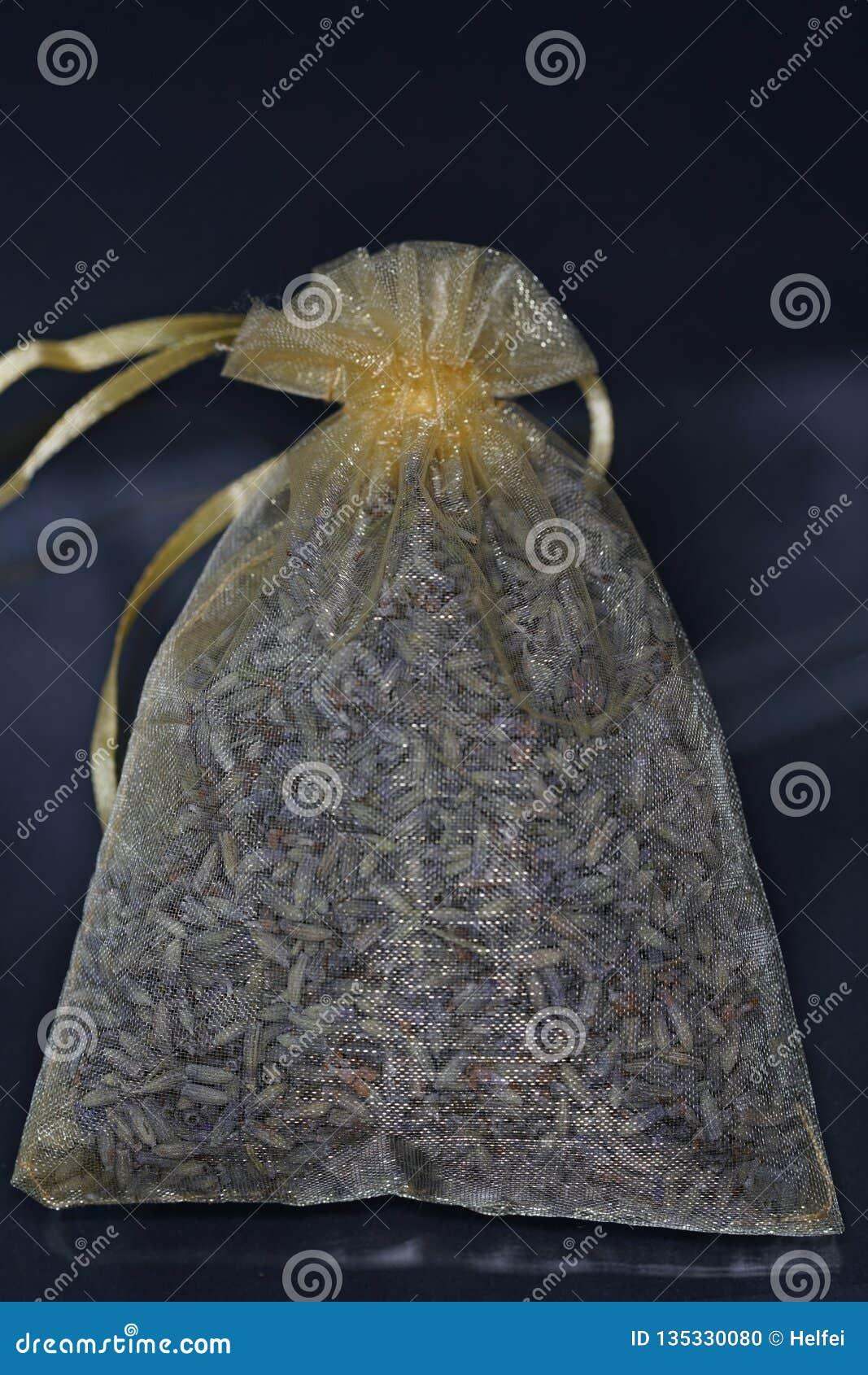 Geurige harz wordt gewoonlijk aangeboden in zijn harsvorm