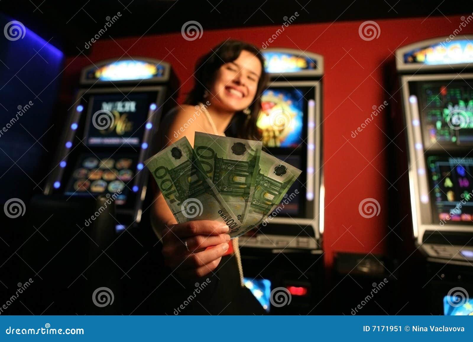 Gewinnendes Geld des Mädchens