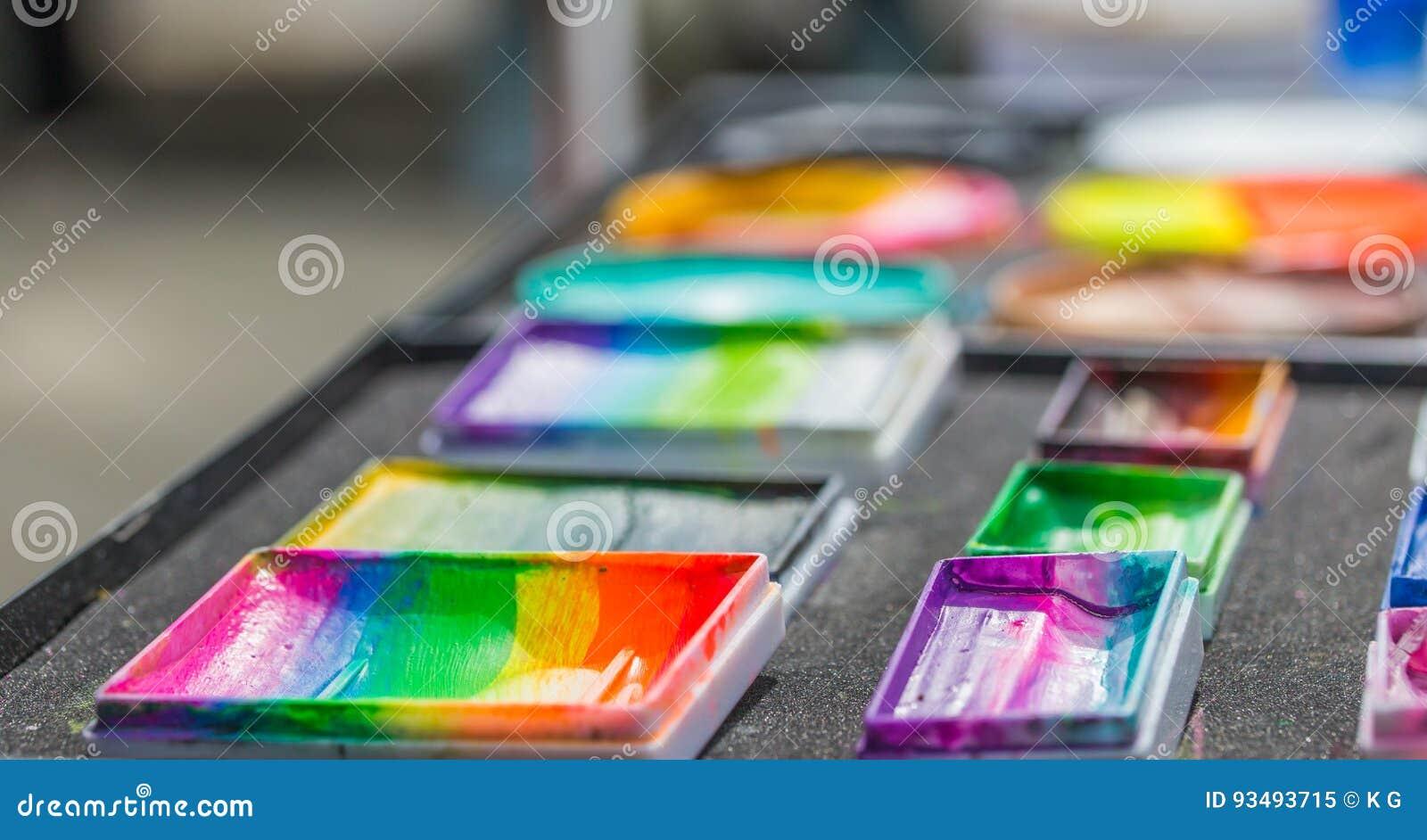Gezicht het schilderen schoonheidsmiddelen
