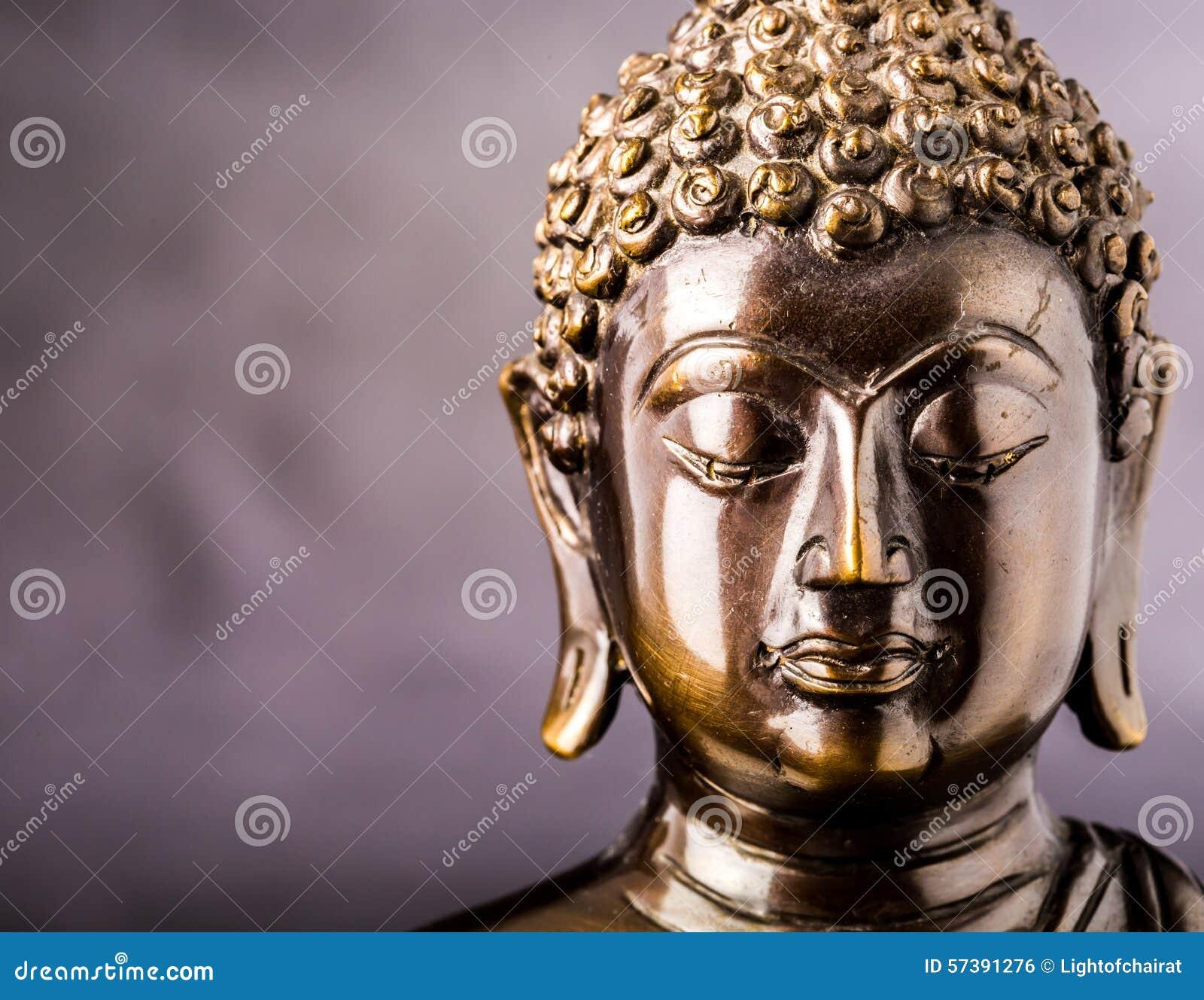 Gezicht van het standbeeld van Boedha
