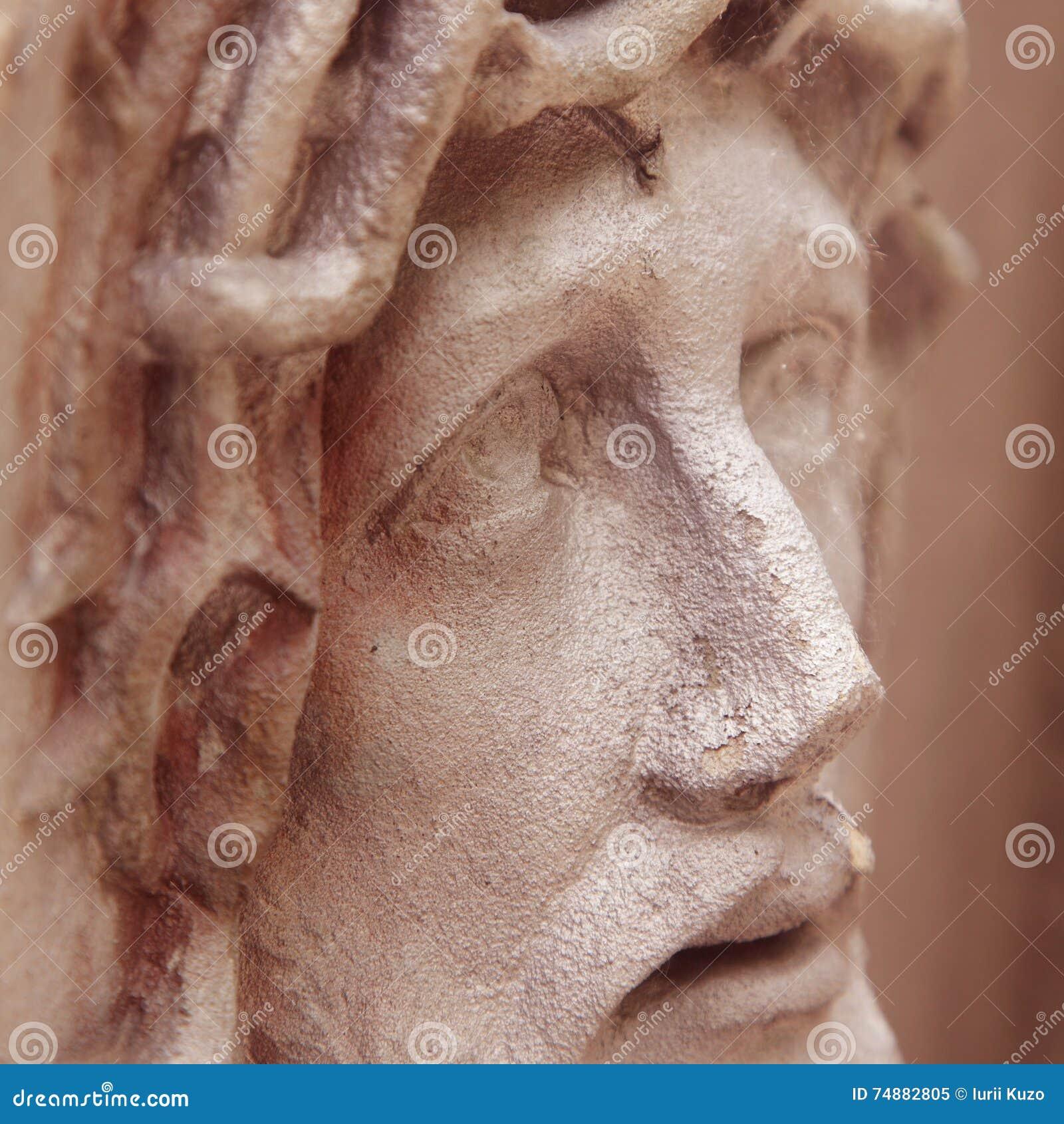 Gezicht van Jesus Christ-kroon van doornen (standbeeld)