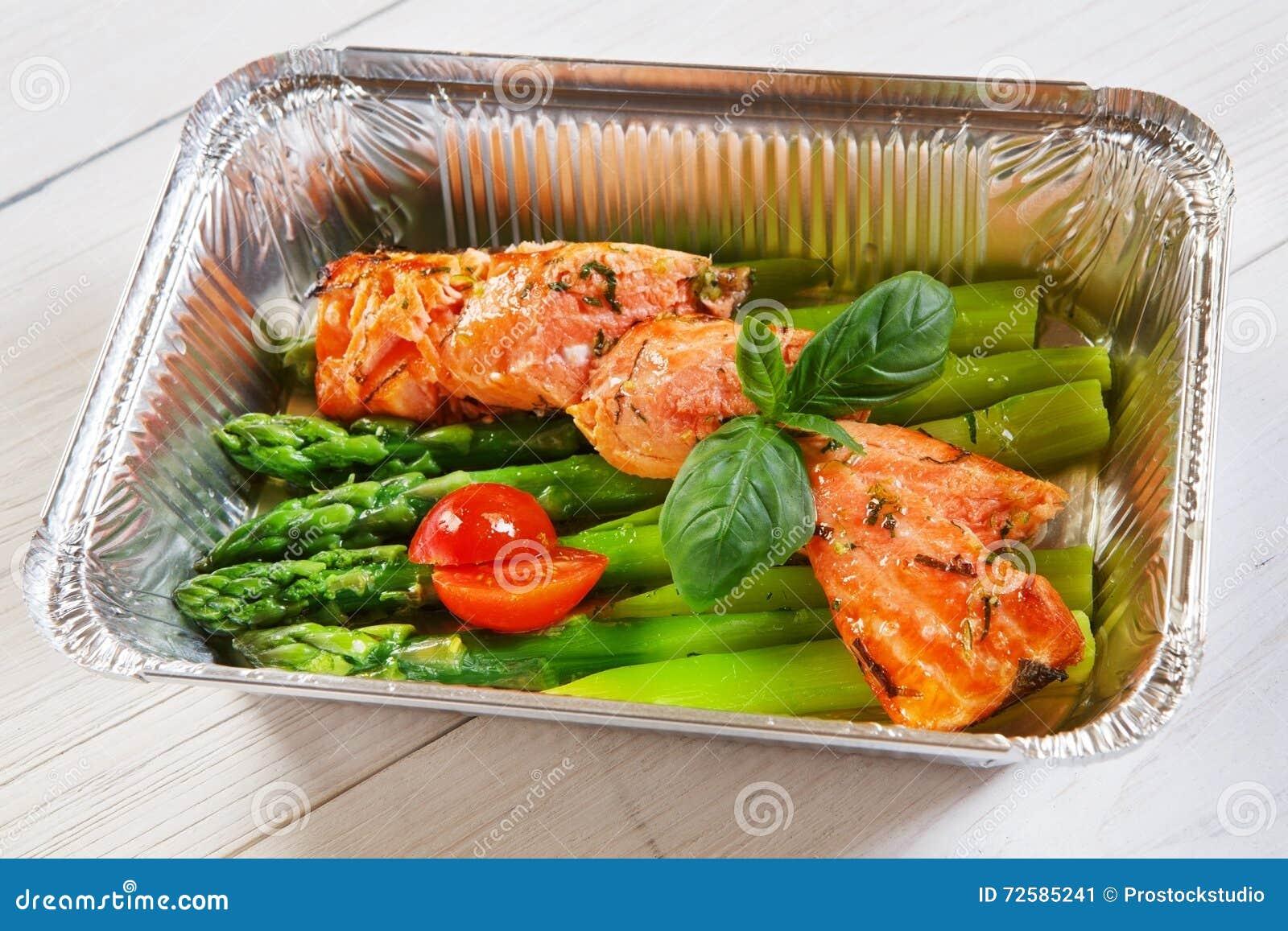 Gezond voedsel in doos, dieetconcept