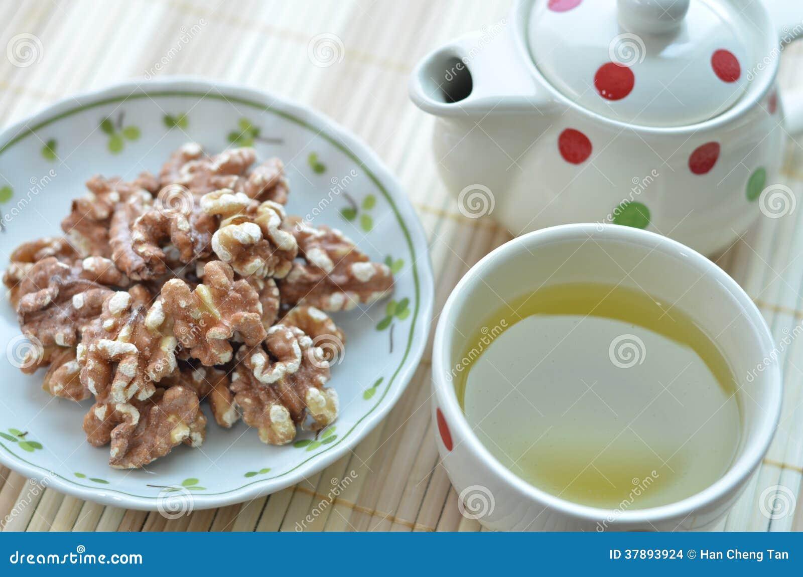 Gezonde Snacks (Okkernoot en Groene Thee)