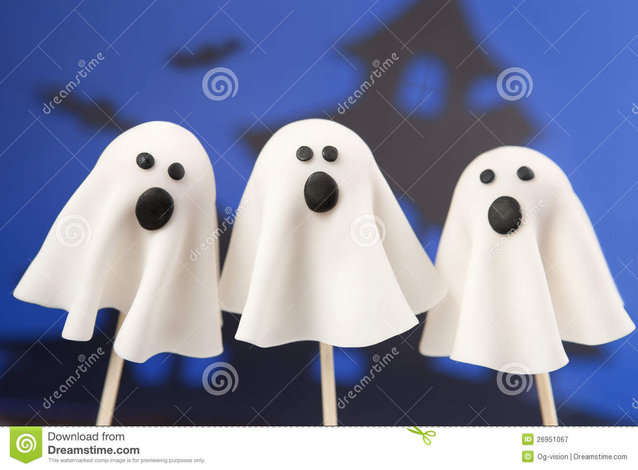 Ghost Cake Pops With Fondant