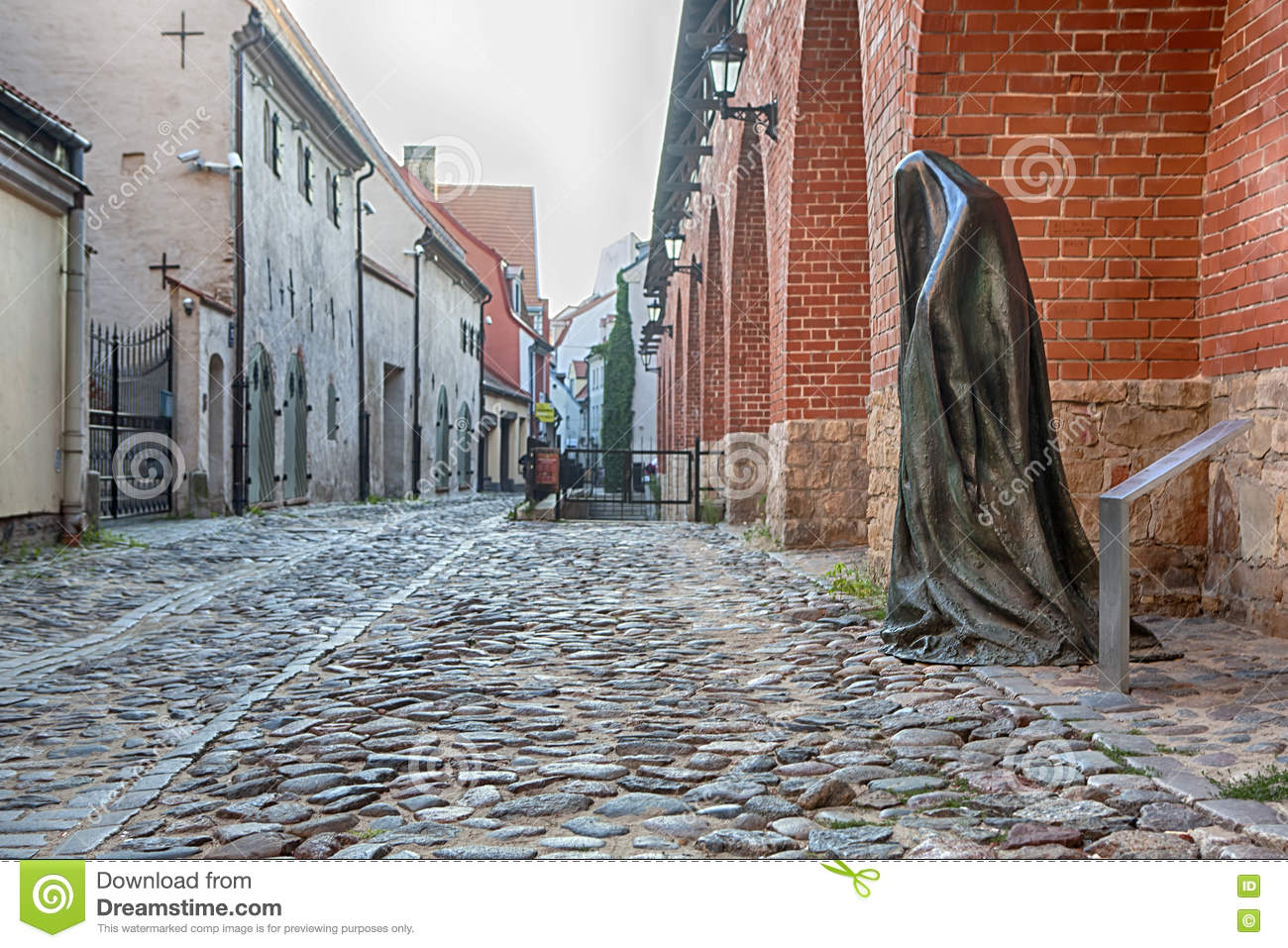 Download The Ghost sculpture editorial stock image. Image of june - 75599274