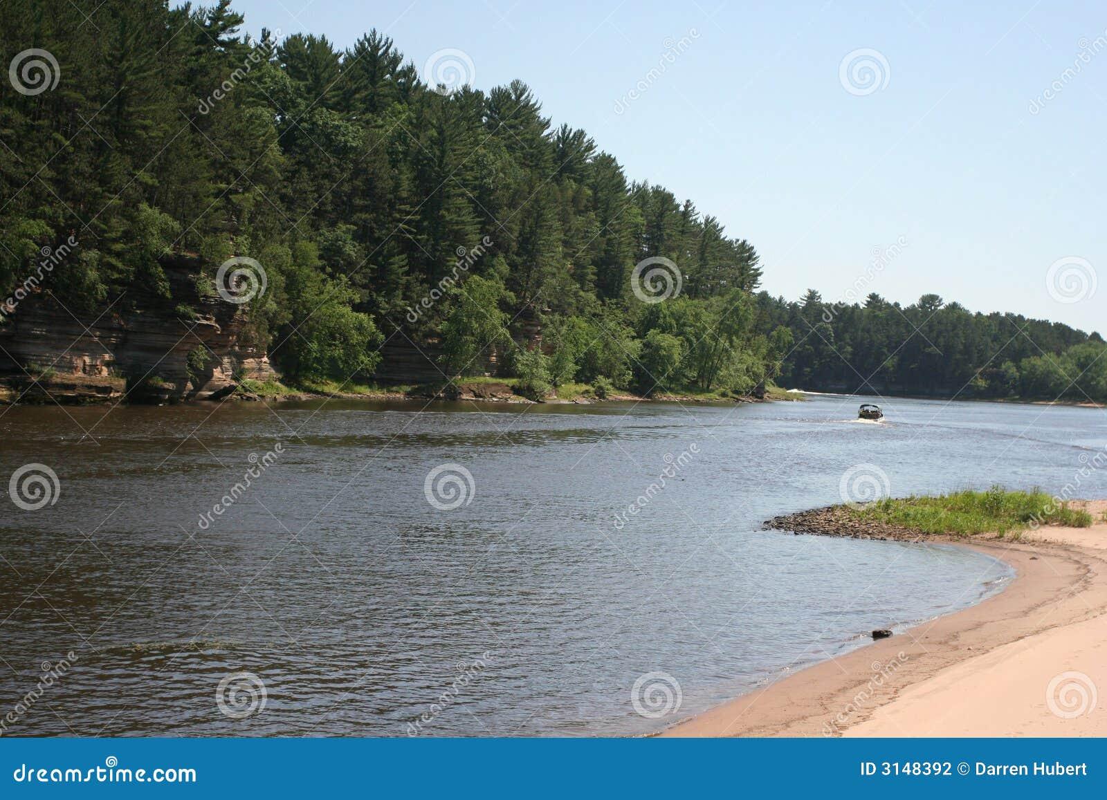 Giù il fiume