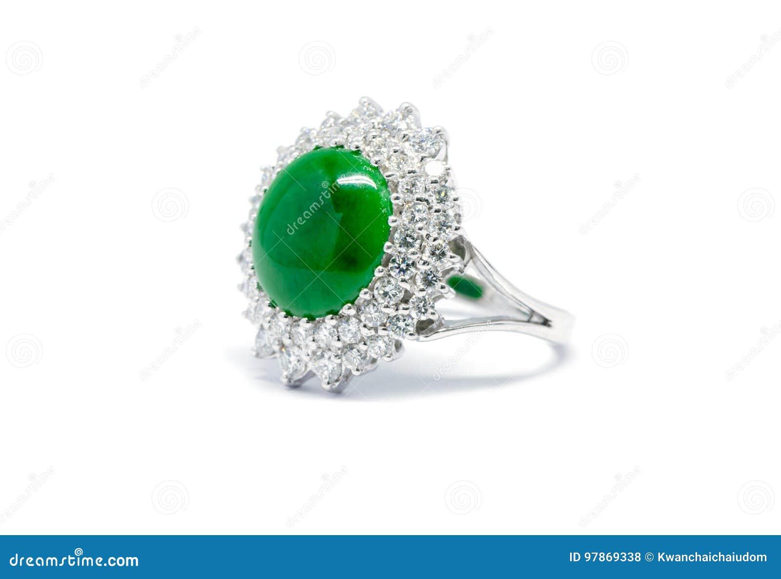 ma non volgare prezzi economici marchio famoso Giada Verde Alta Chiusa Con L'anello Di Oro E Del Diamante ...