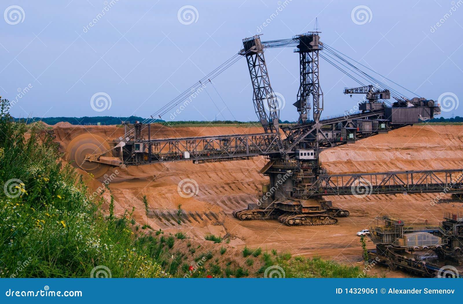 giant excavator - photo #13