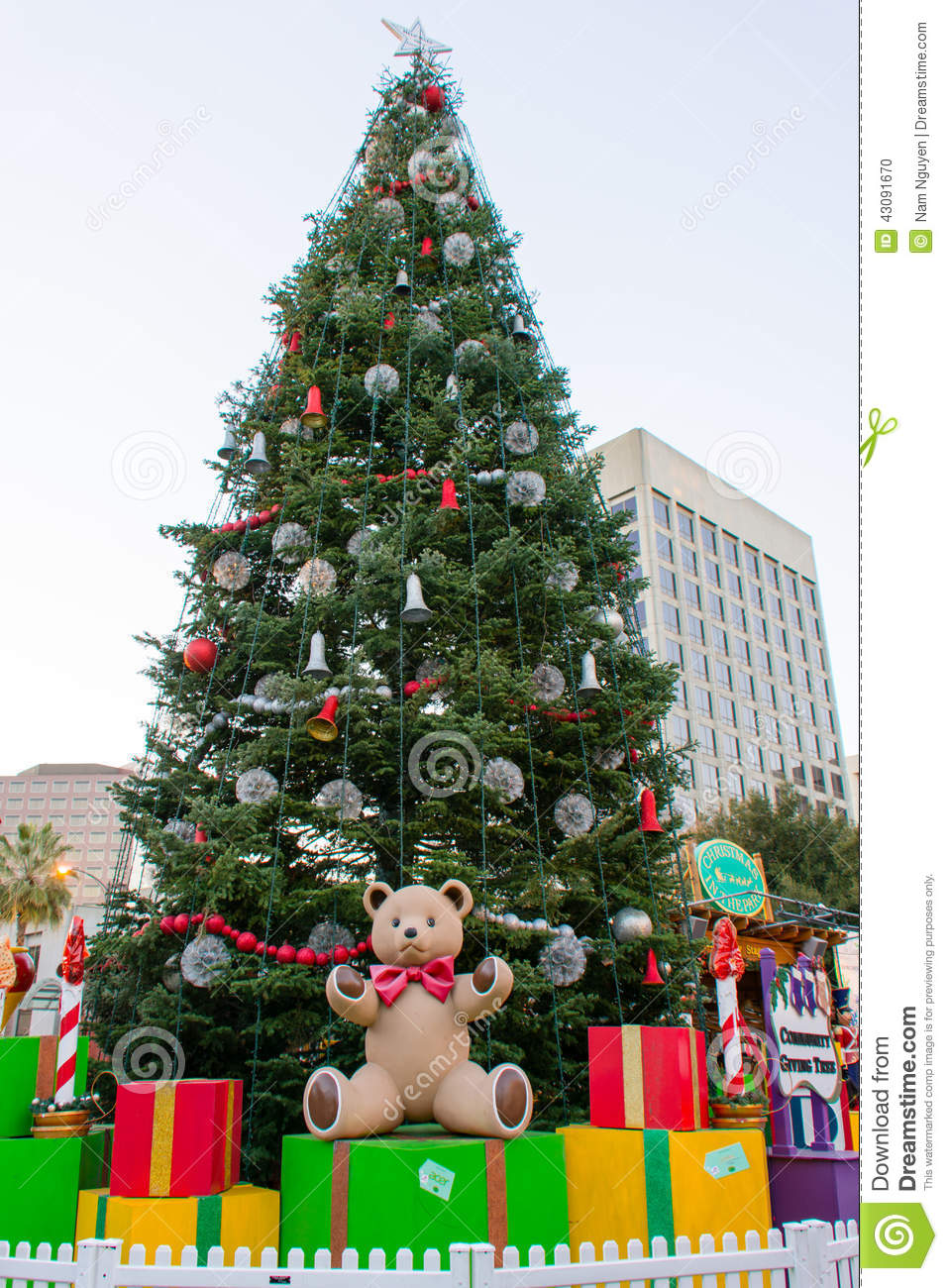 Bear Christmas Tree