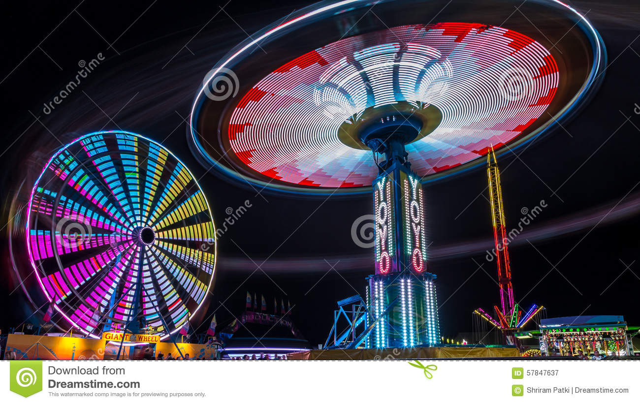 Giant Ferris Wheel and Yo-Yo Amusement ride