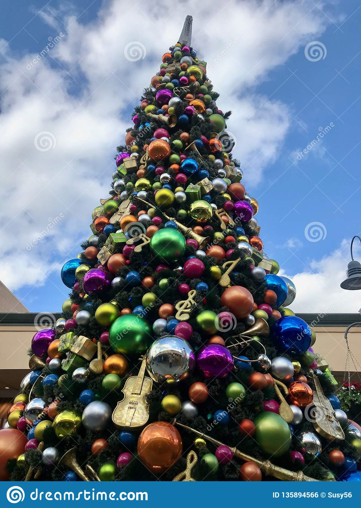 detailed look 119dc eb779 Giant Outdoor Christmas Tree At A Mall Stock Photo - Image ...
