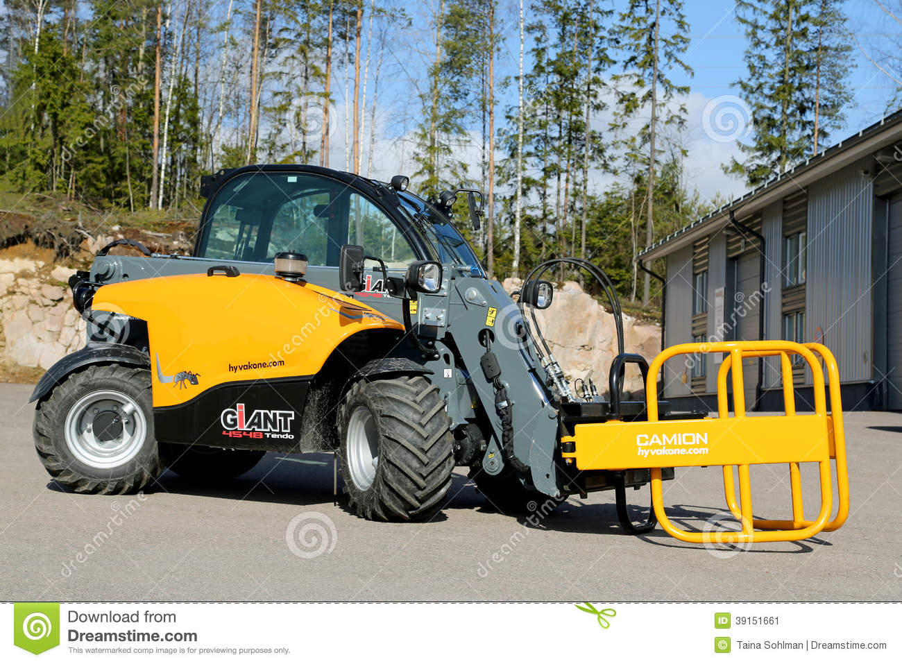 how to drive a telehandler