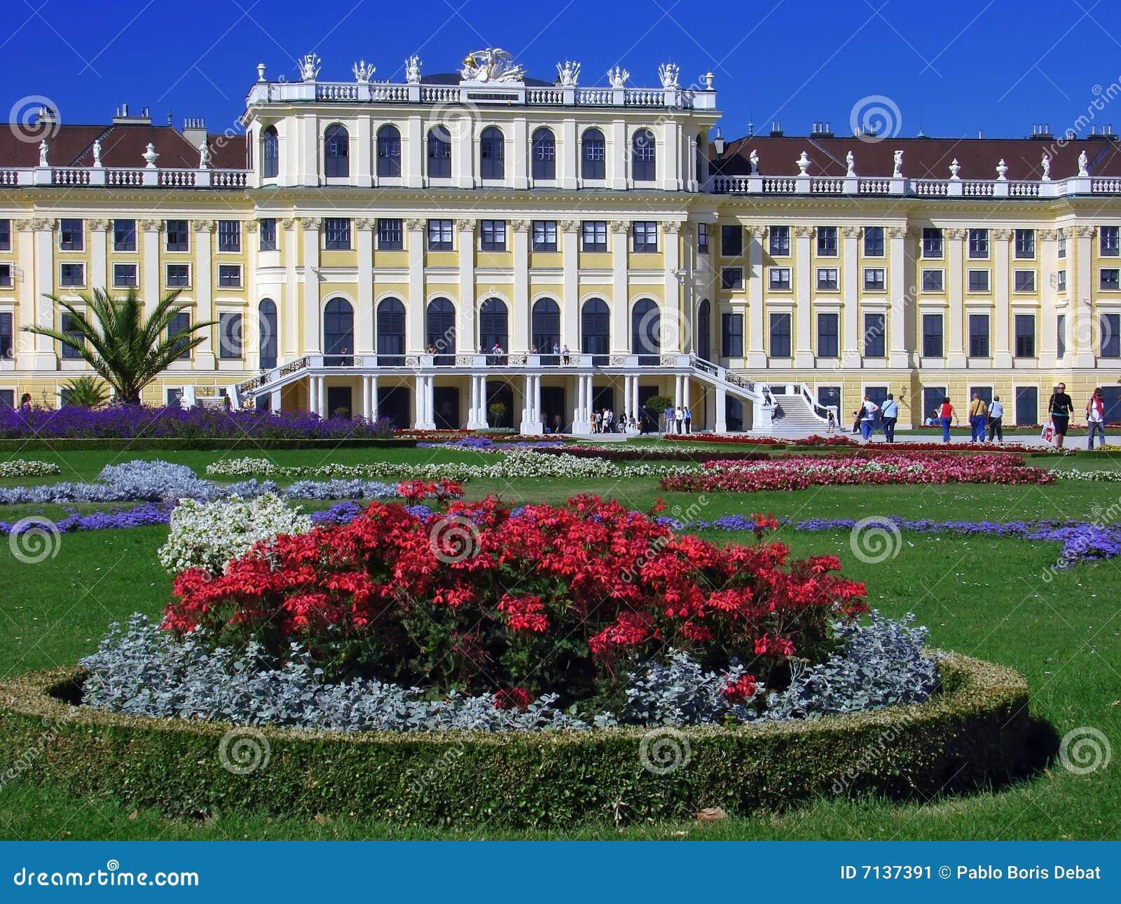 Giardini di fiori di schonbrunn e palazzo vienna immagine stock immagine di giardino - I giardini di palazzo rucellai ...