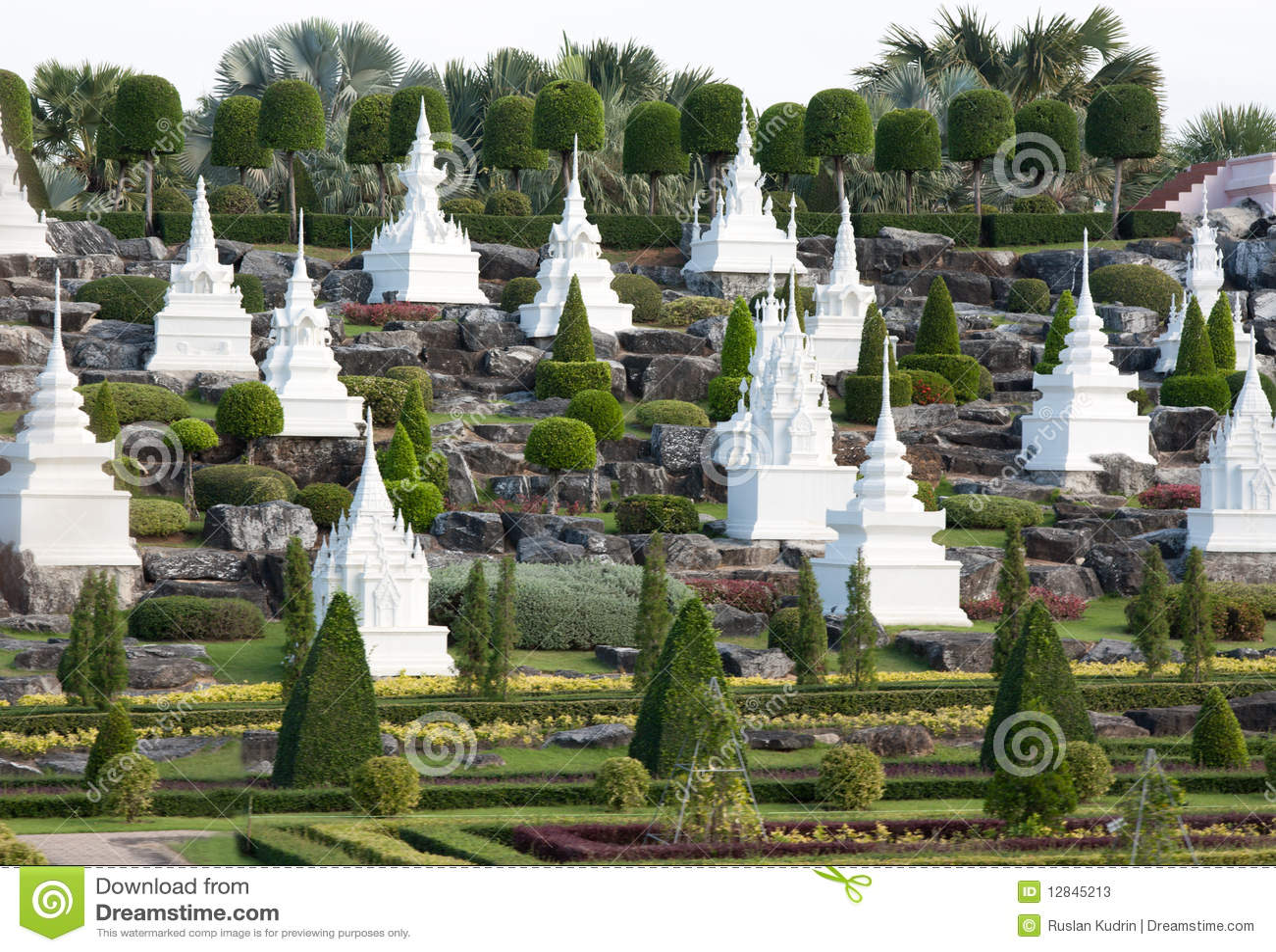 Giardini francesi nel giardino di nongnooch immagine stock for Giardini francesi