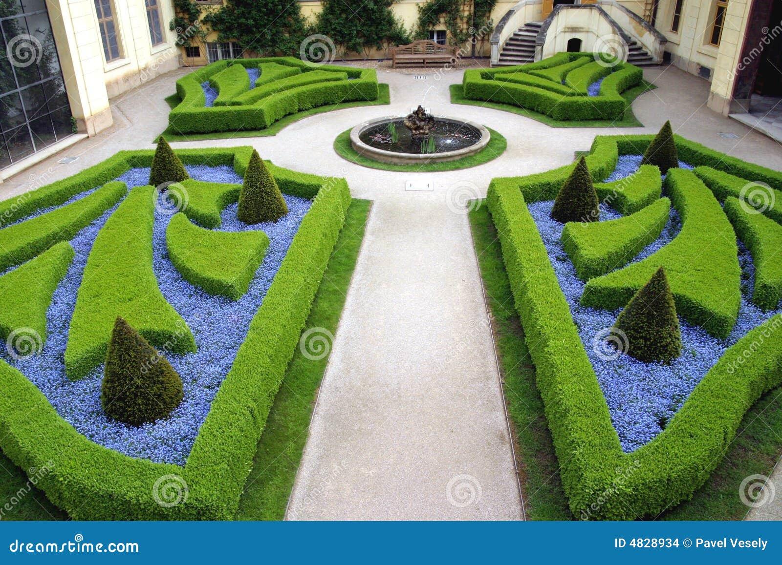 Giardini francesi a praga immagini stock immagine 4828934 for Giardini francesi