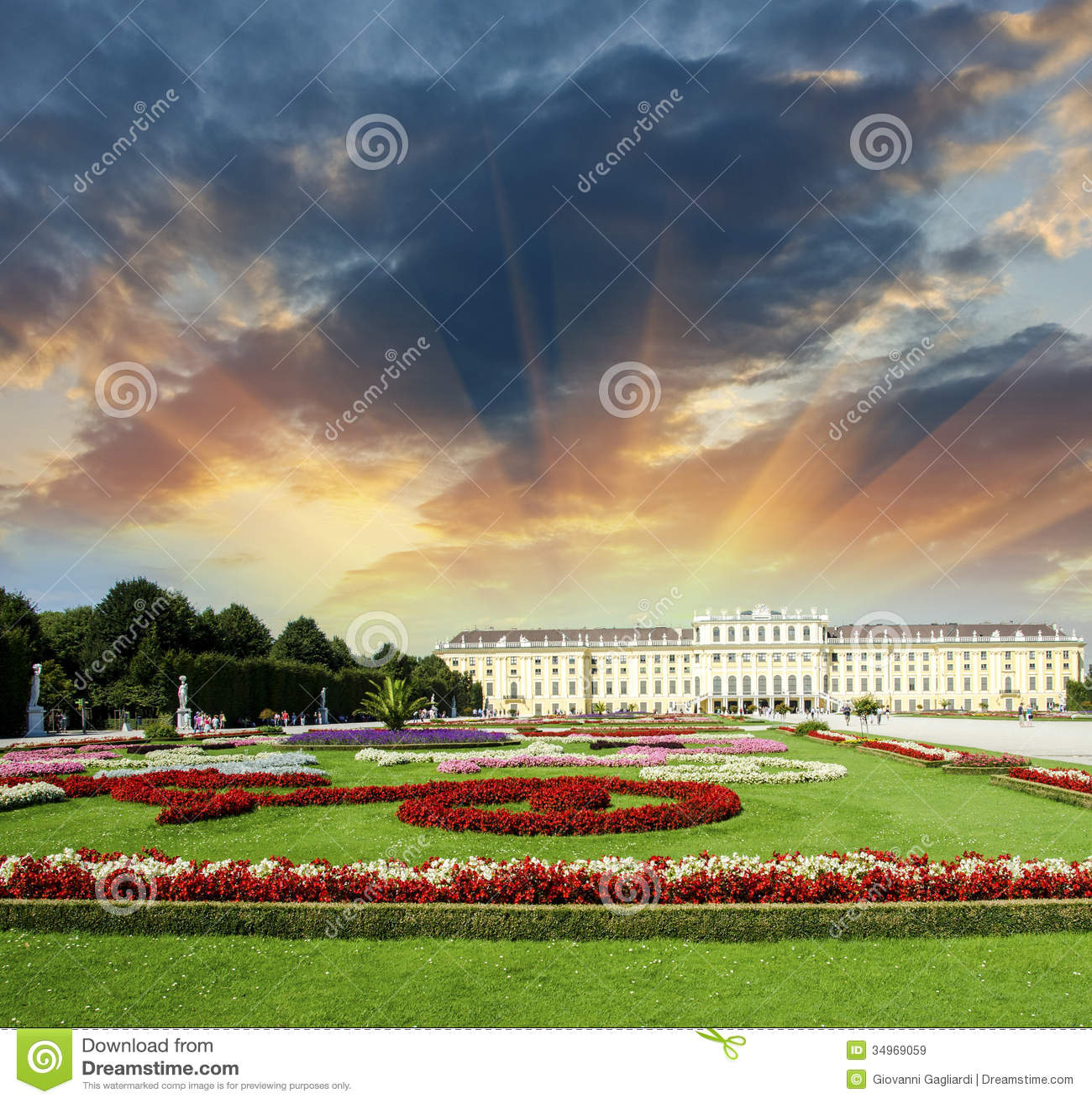 Giardini meravigliosi del castello di schonbrunn a vienna for Giardini meravigliosi