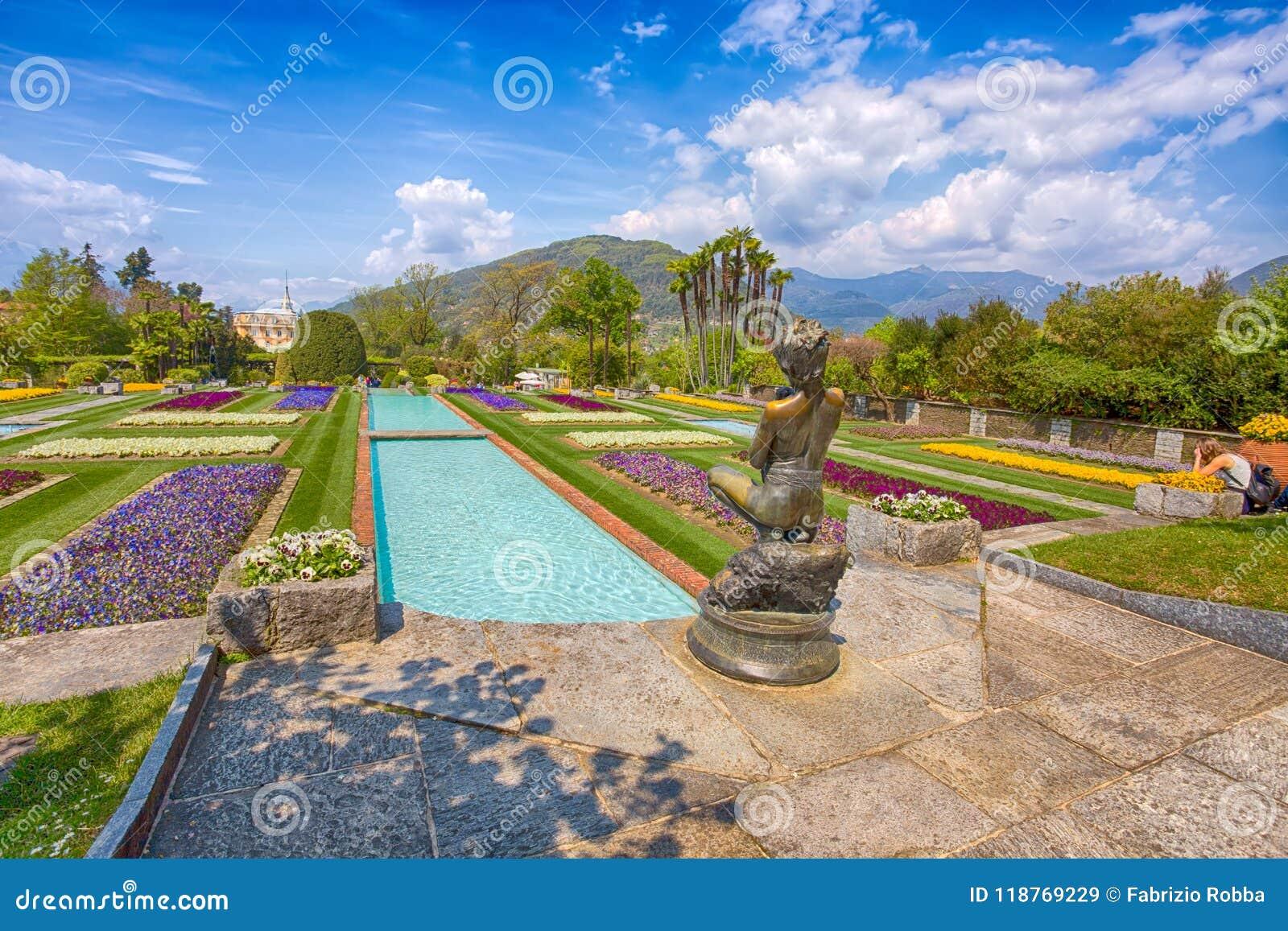 Ben noto Giardini A Terrazze Nel Giardino Botanico Della Villa Taranto In LM84