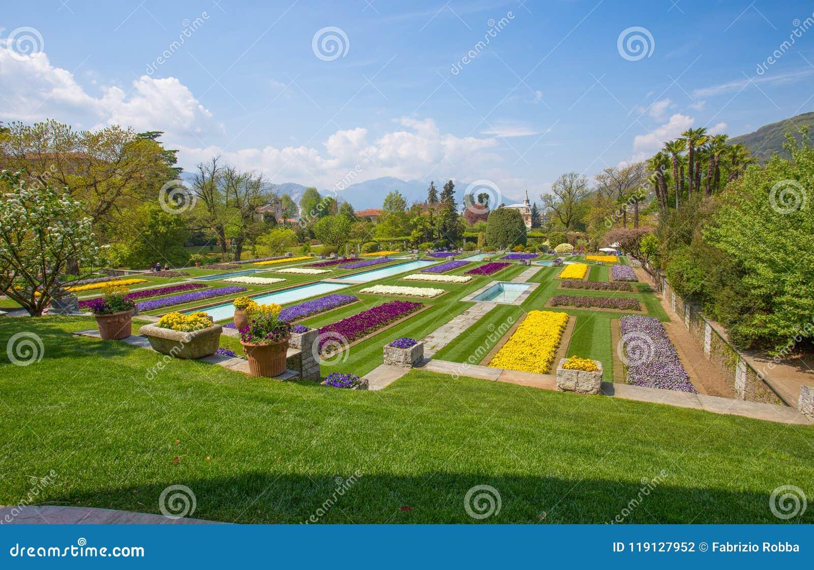 Eccezionale Giardini A Terrazze Nel Giardino Botanico Della Villa Taranto In CT42