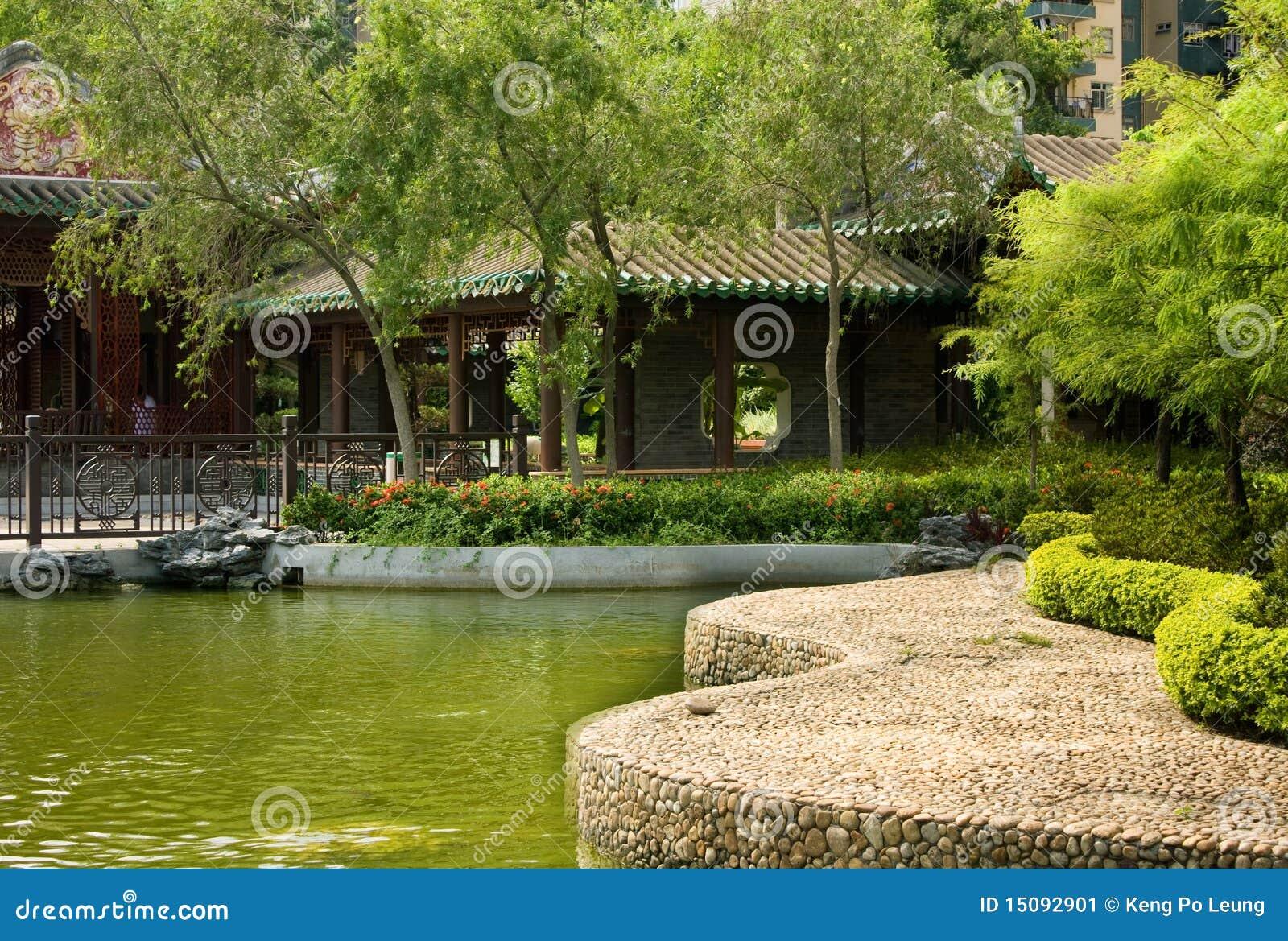 Giardino cinese immagine stock immagine di stagno gamma for Giardino cinese