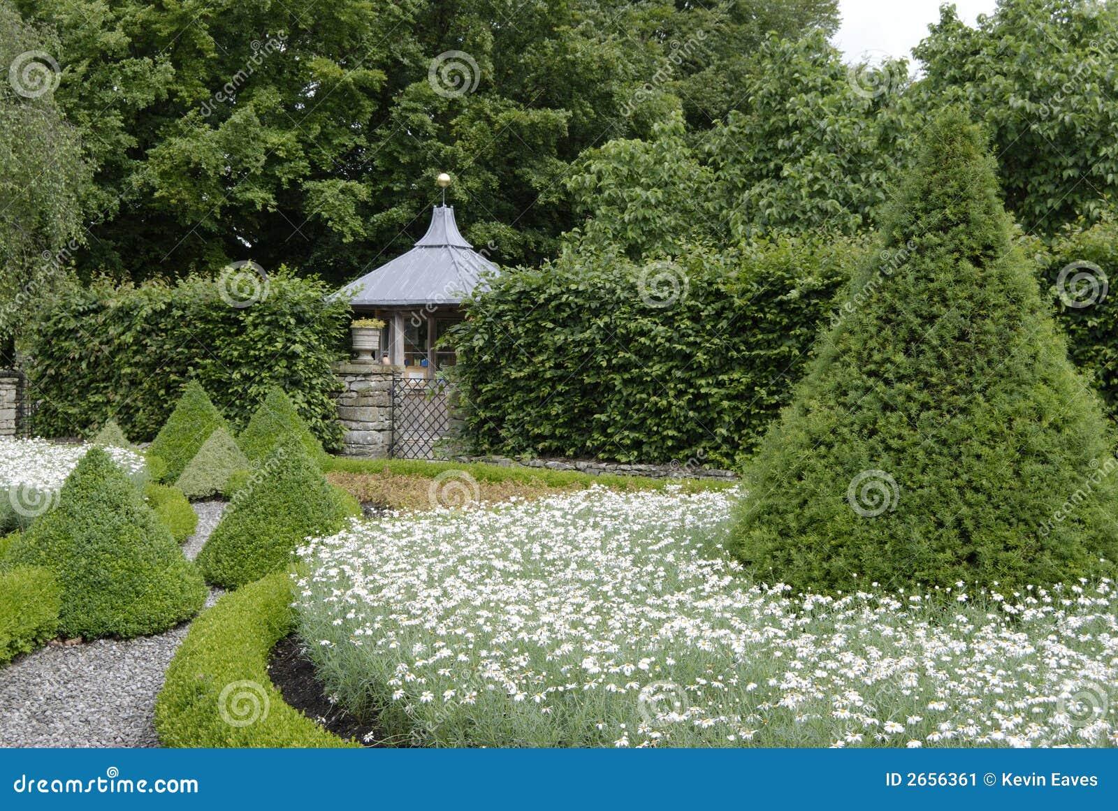 Giardino della casa di campagna immagine stock immagine - Giardino di campagna ...