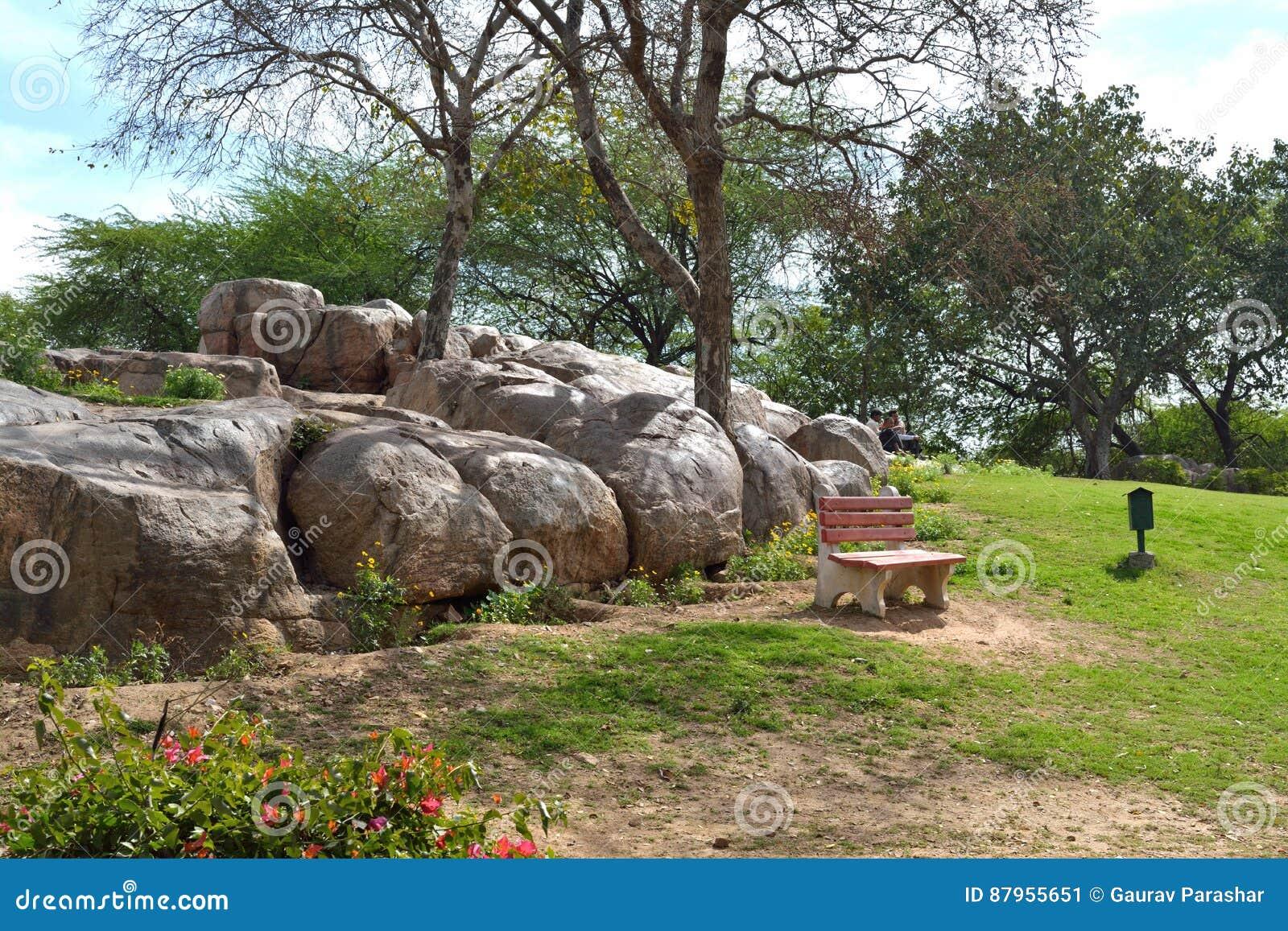 Rocce In Giardino.Giardino Delle Rocce Immagine Stock Immagine Di Prati