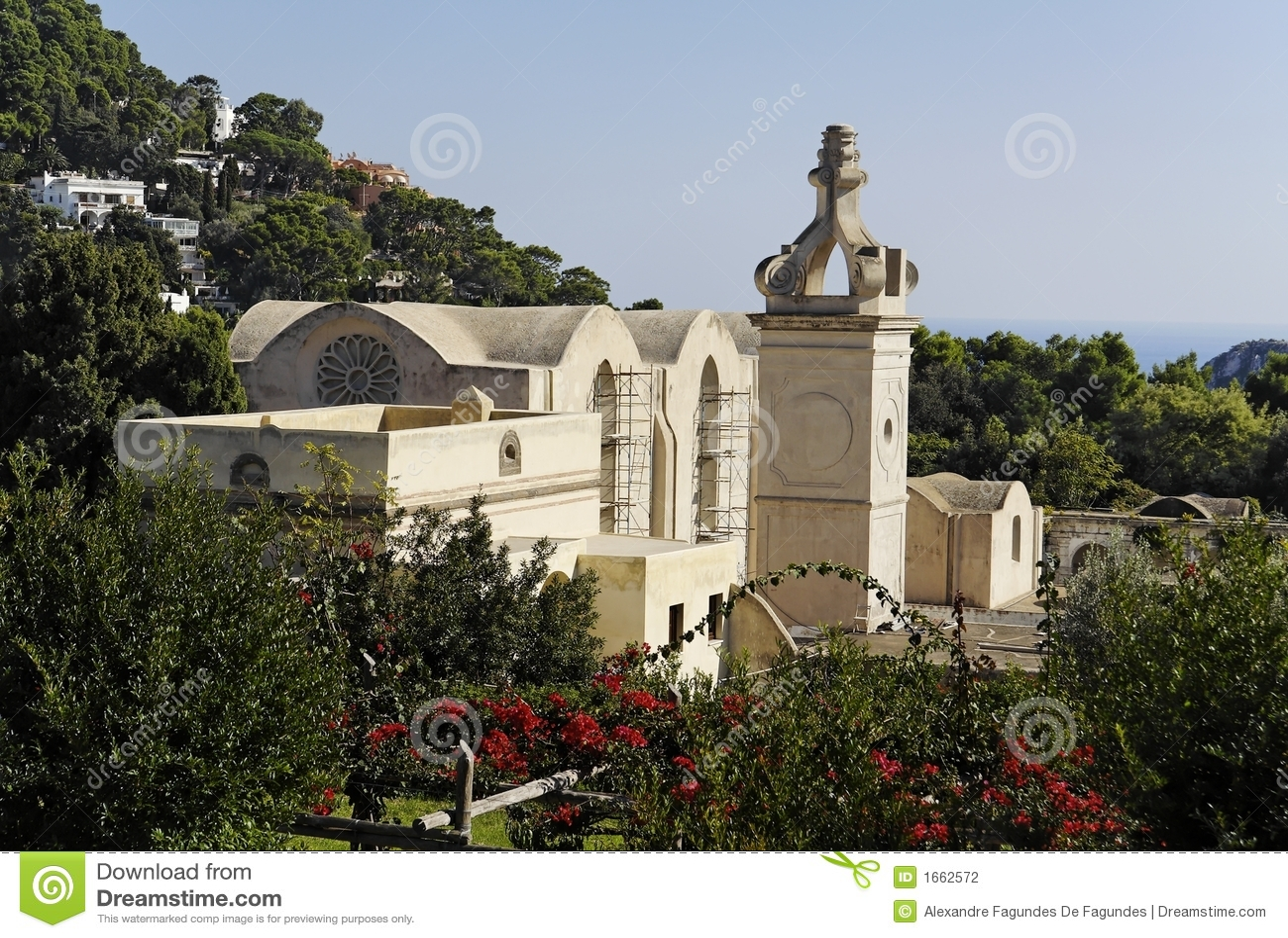Giardino e chiesa - Capri