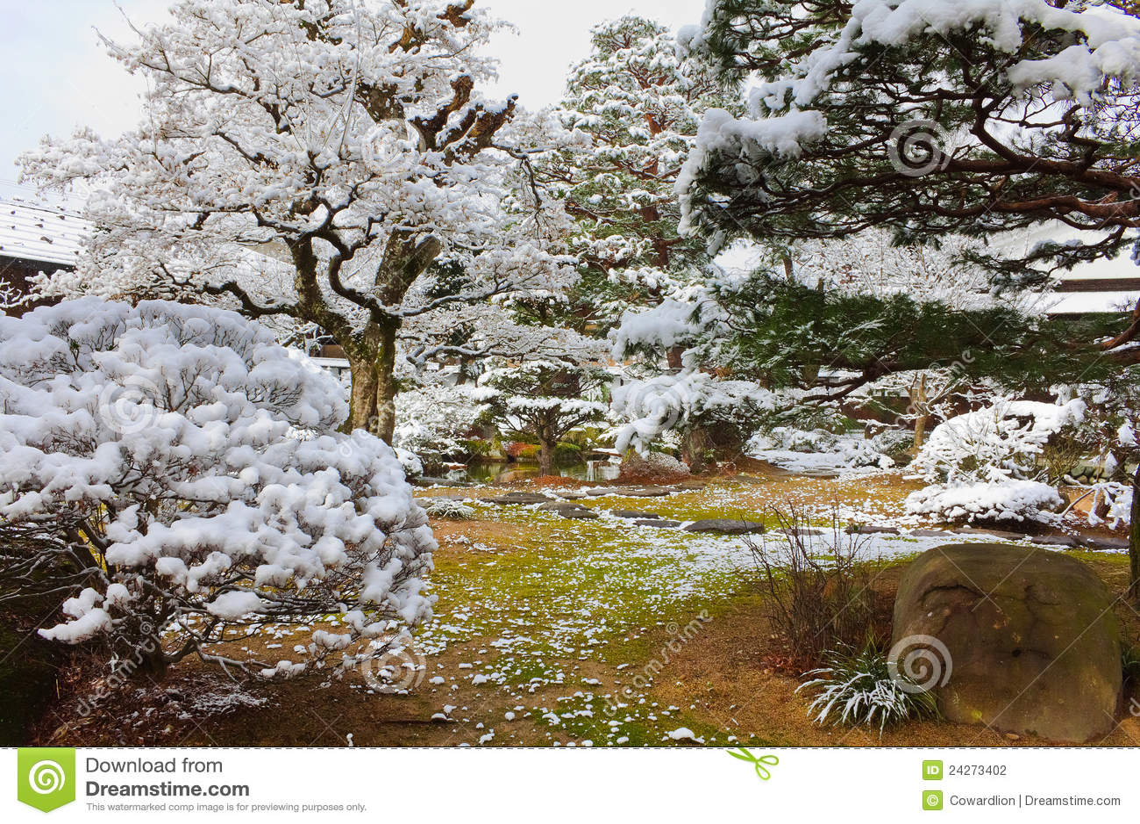 Giardino D Inverno Giapponese : Giardino giapponese in inverno fotografia stock immagine