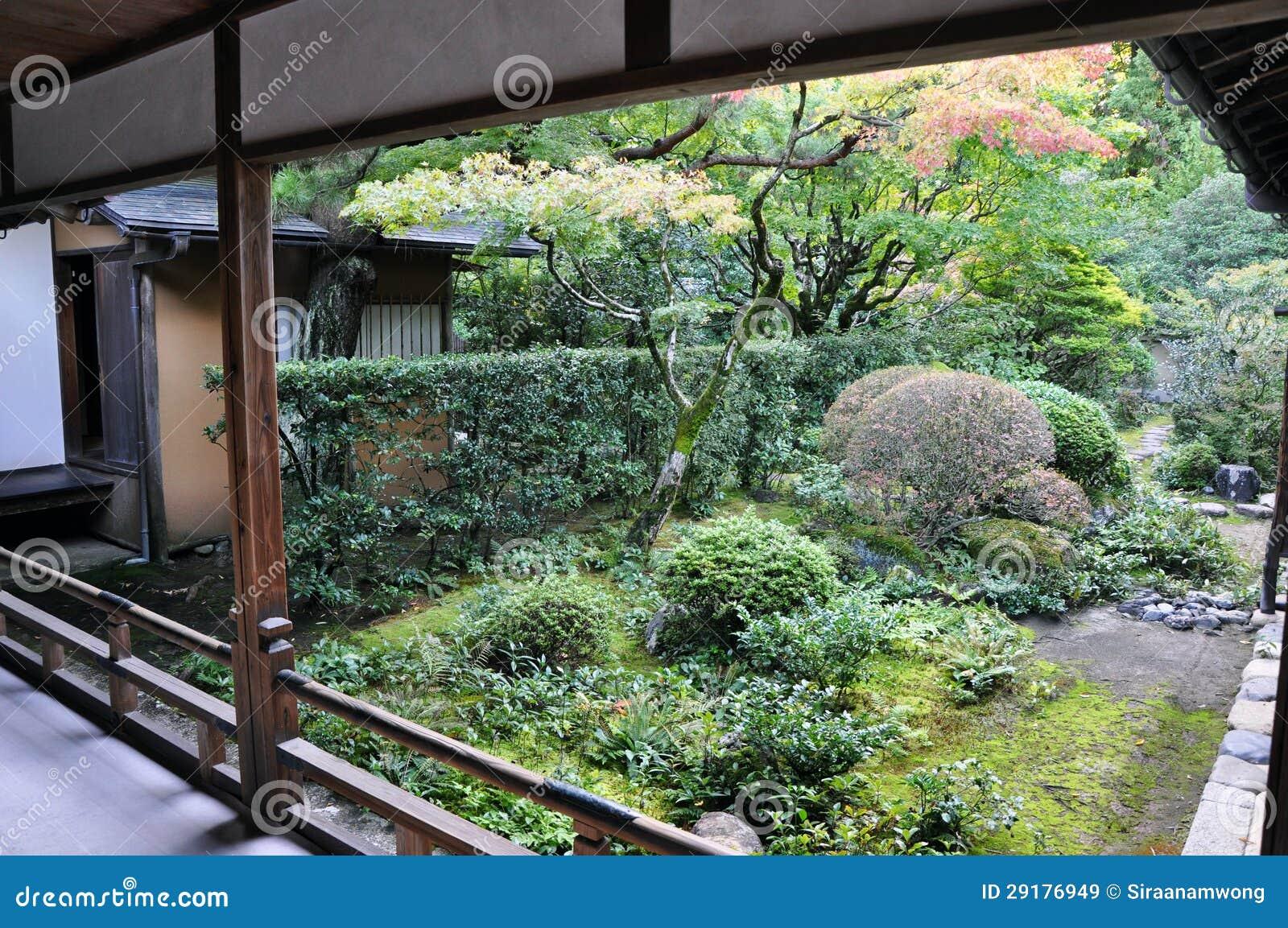 Giardino Giapponese In Koto In Tempio Di Daitoku Ji
