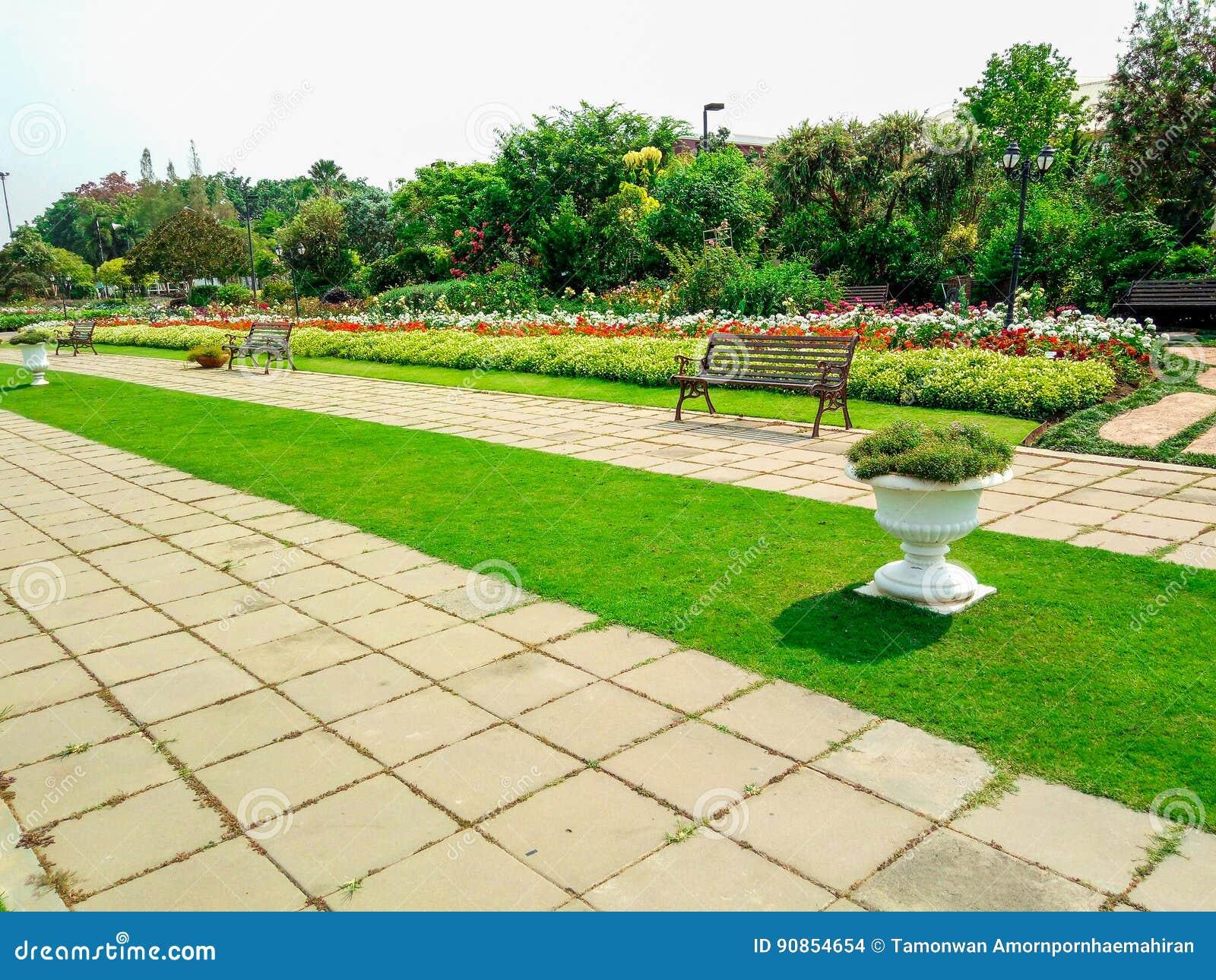 Decorazioni Da Giardino In Metallo : Reti metalliche per recinzioni giardini casa design esterno