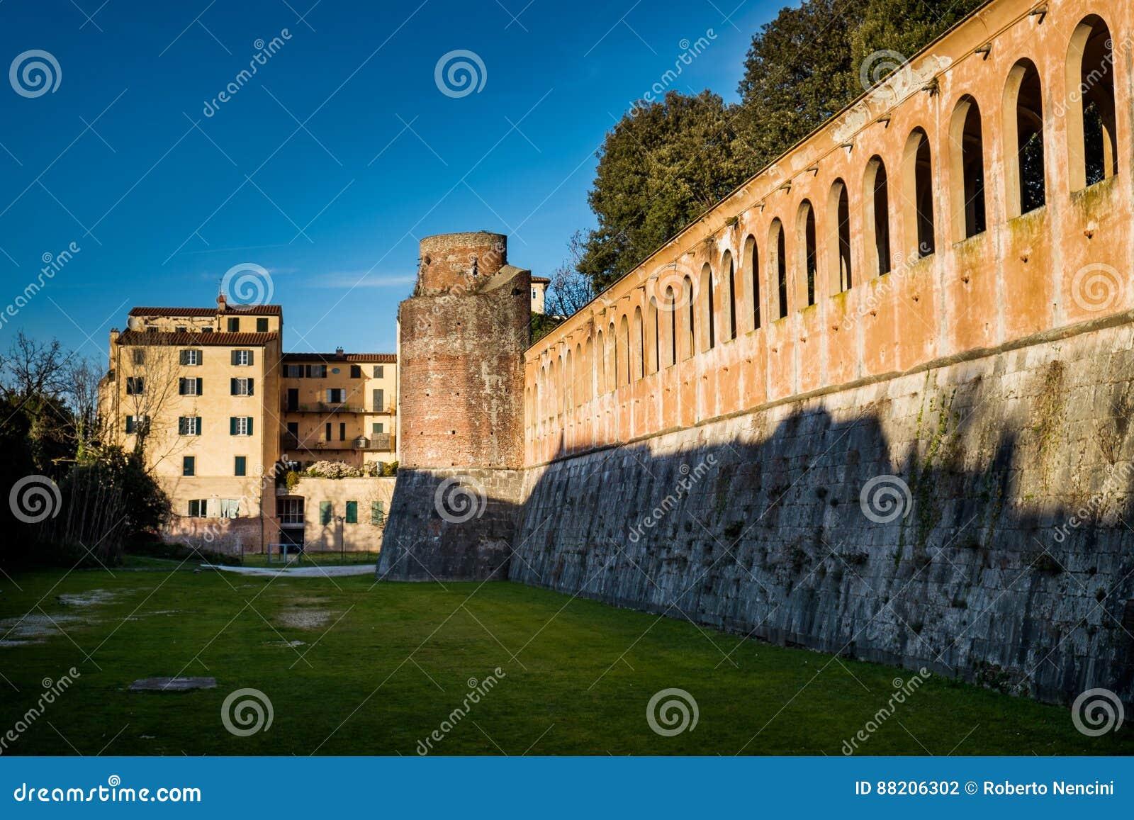 Giardino Scotto a Pisa - giardini pubblici e parco, Italia