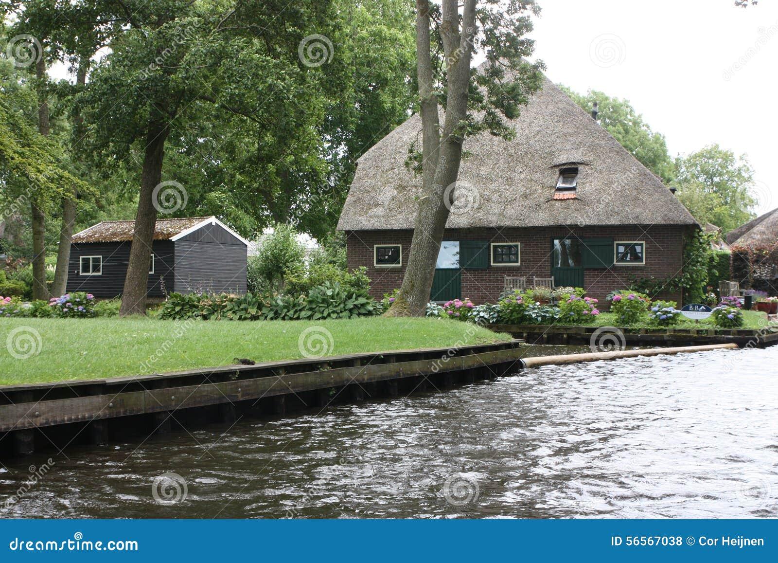Download Giethoorn η ολλανδική Βενετία Στοκ Εικόνες - εικόνα από εξωτερικό, cityscape: 56567038