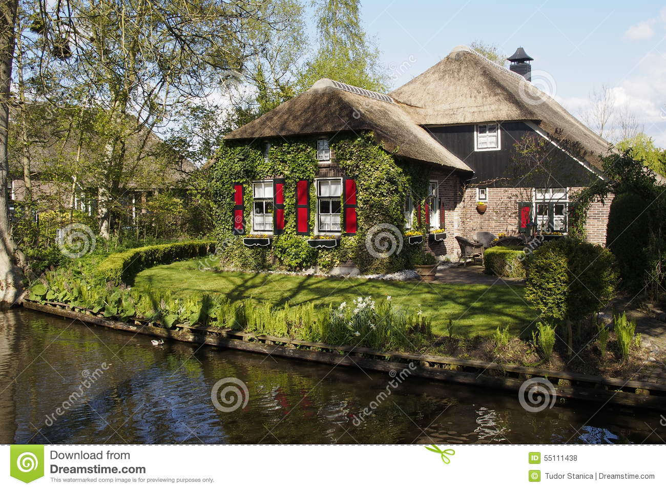 Giethoorn holland stock photo image of house village 55111438 - Traditional houses attic ...