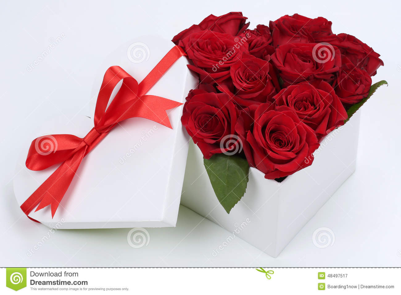 Gift Box With Roses For Birthday Gifts, Valentine's Or Mother's ...